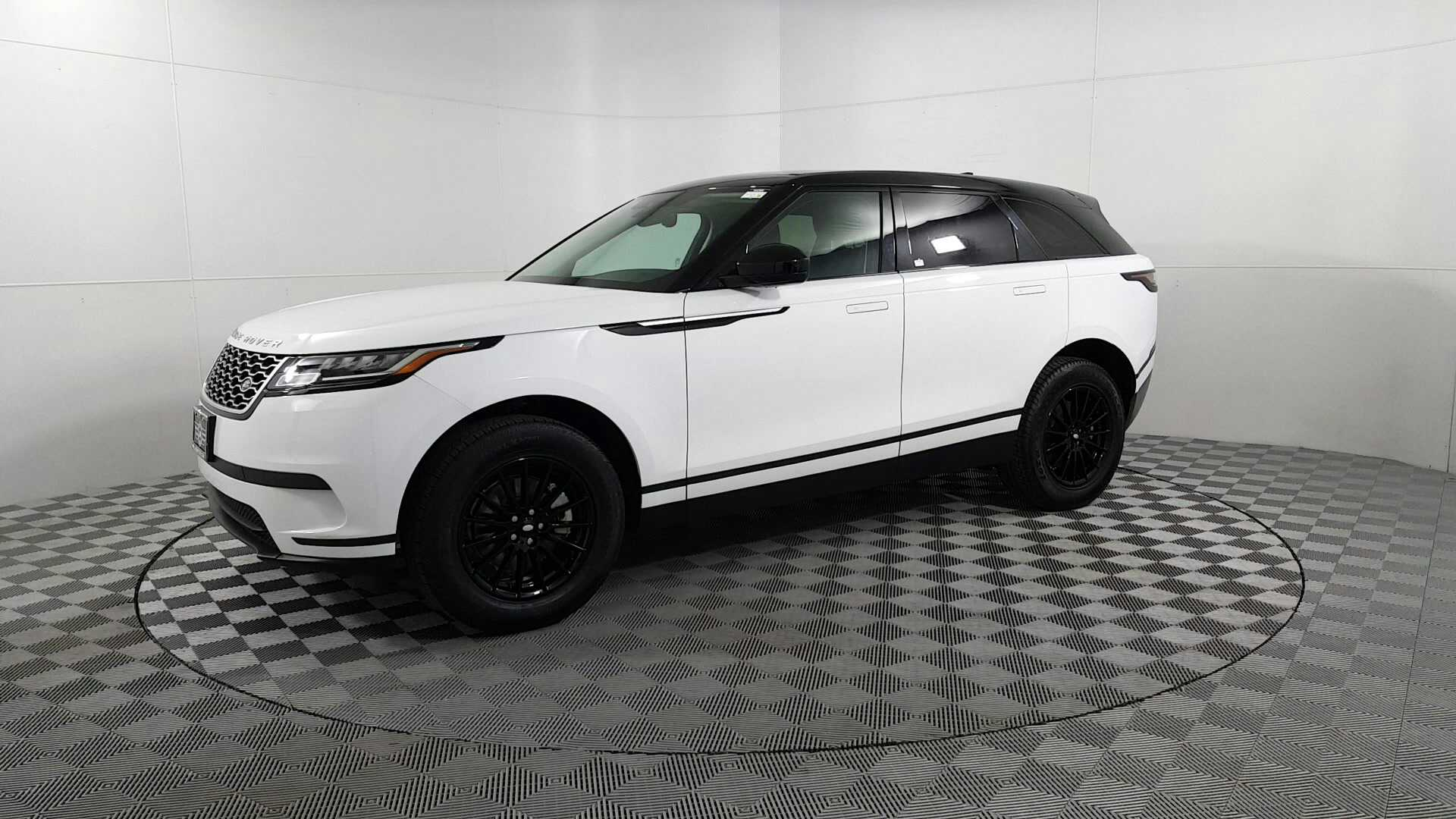 Sold 2018 Land Rover Range Rover Velar P250 In Des Plaines