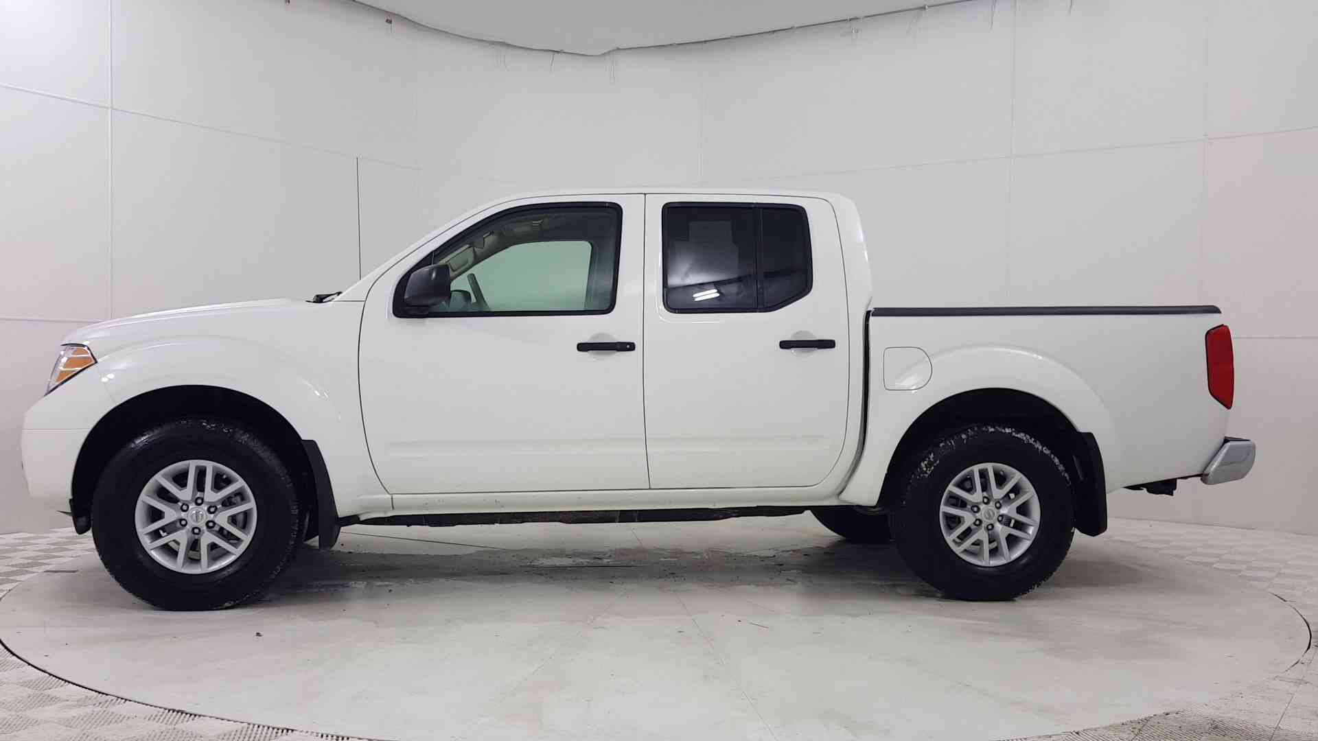 Used 2017 Nissan Frontier SV V6 Near Arlington Heights, IL   Golf Mill Ford