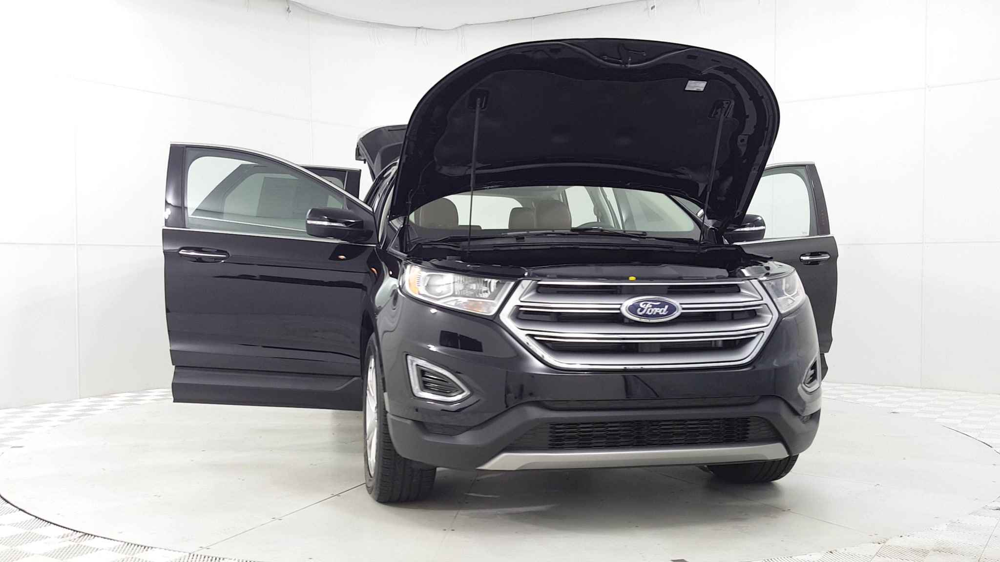 Used e Owner 2018 Ford Edge Titanium near West Chicago IL Golf