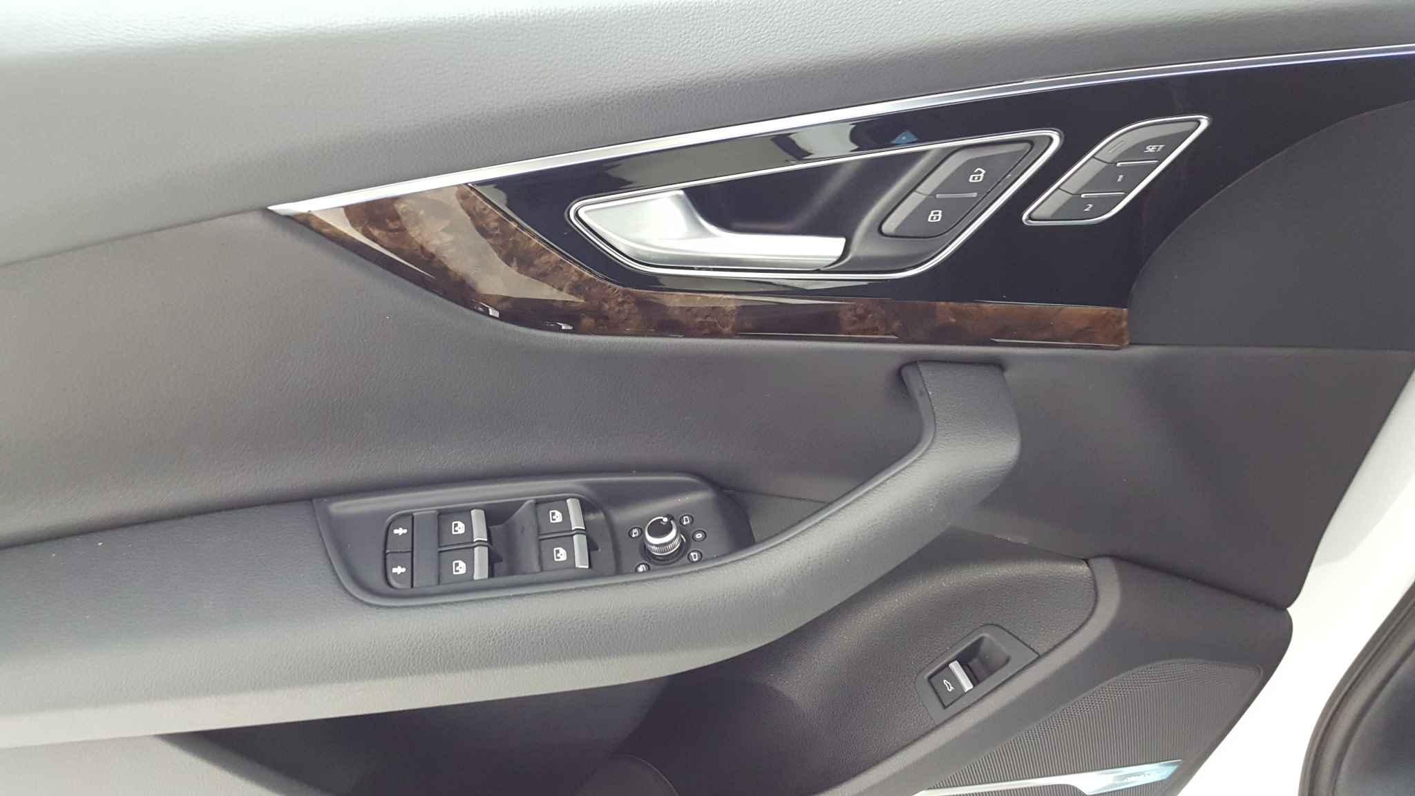 Used 2018 Audi Q7 Premium Plus near Glenview IL Golf Mill Ford