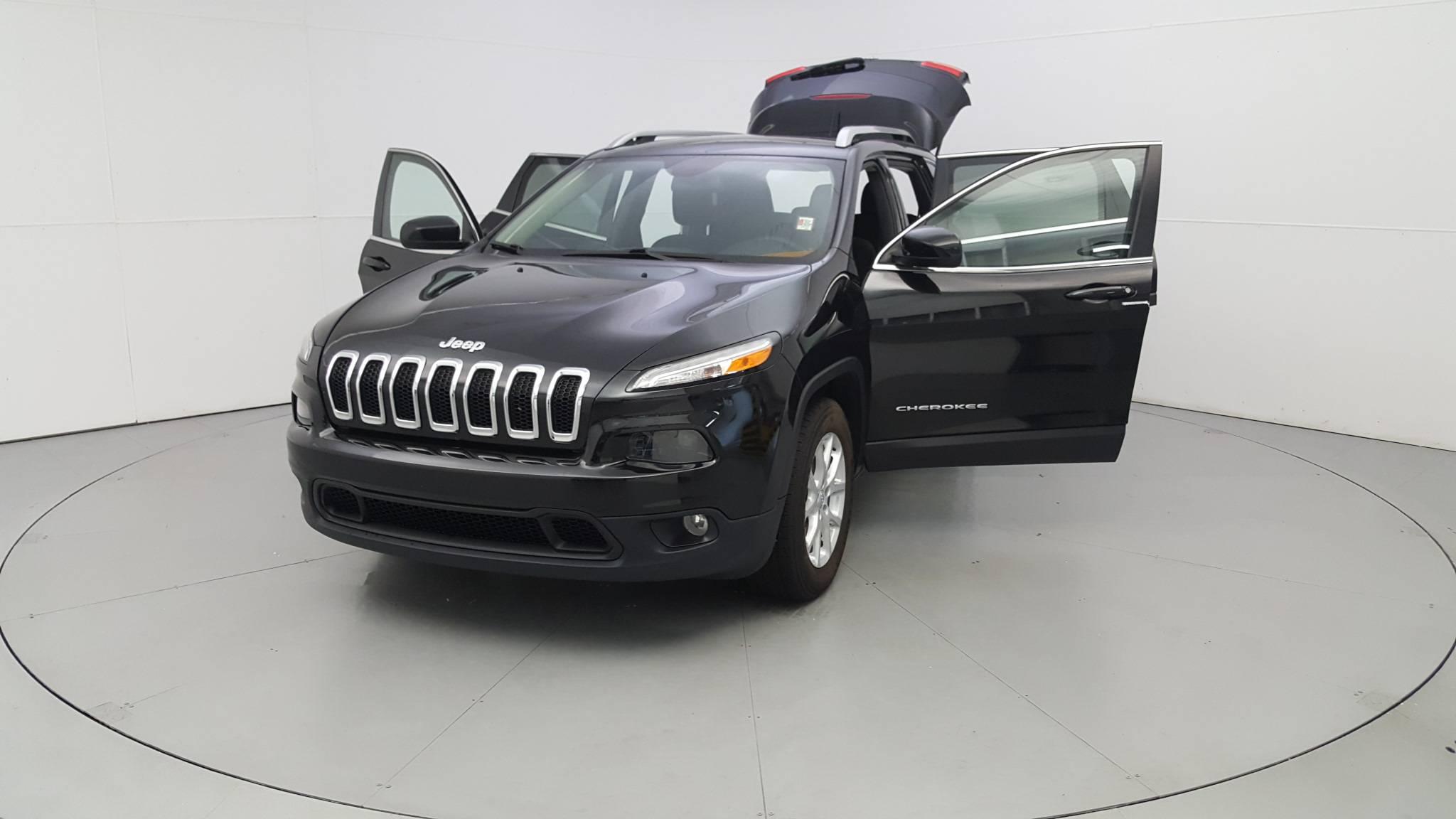 Pre-Owned 2015 Jeep Cherokee Latitude