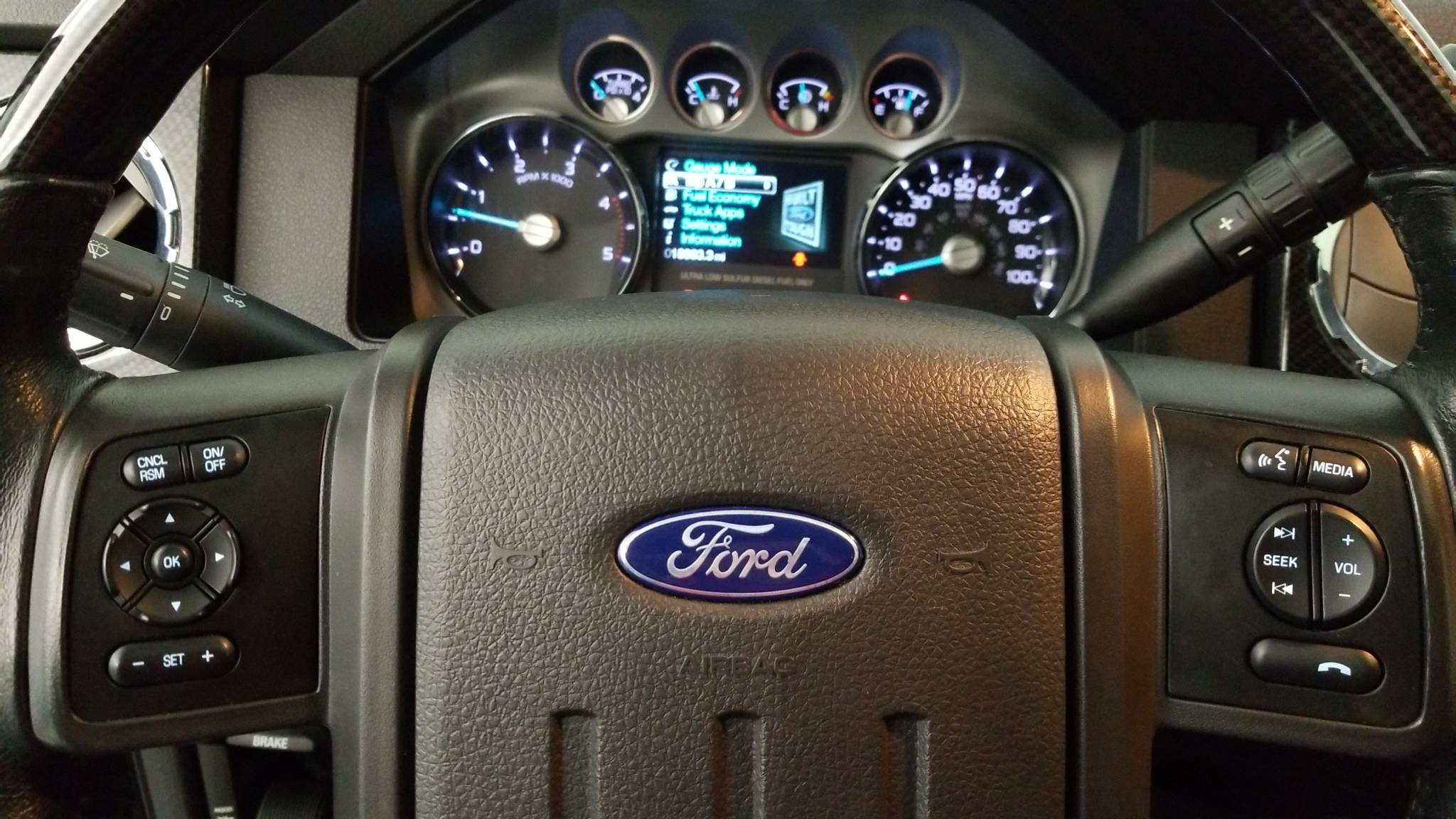 Pre-Owned 2015 Ford Super Duty F-250 Pickup Lariat