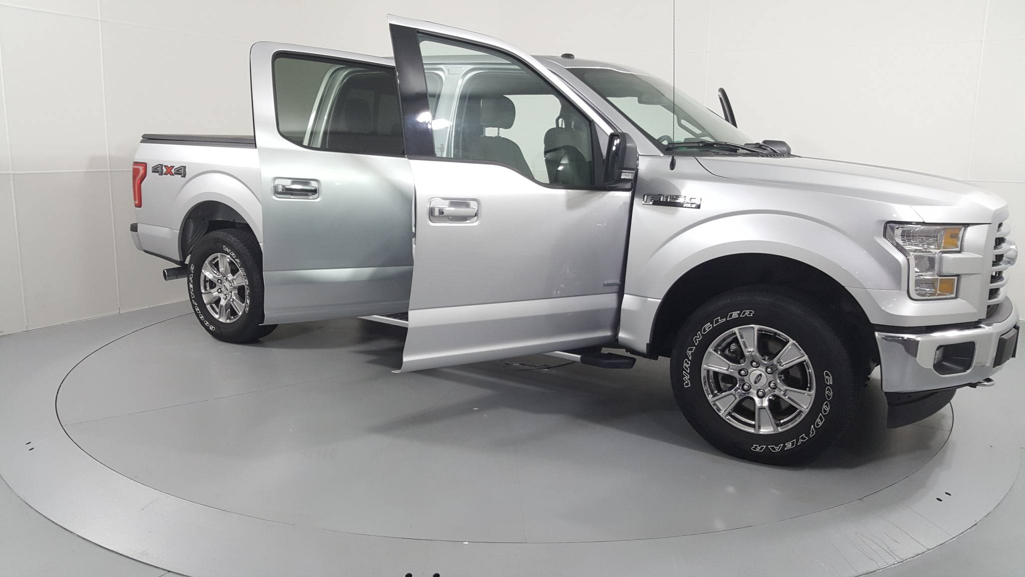 Pre-Owned 2017 Ford F-150 XLT