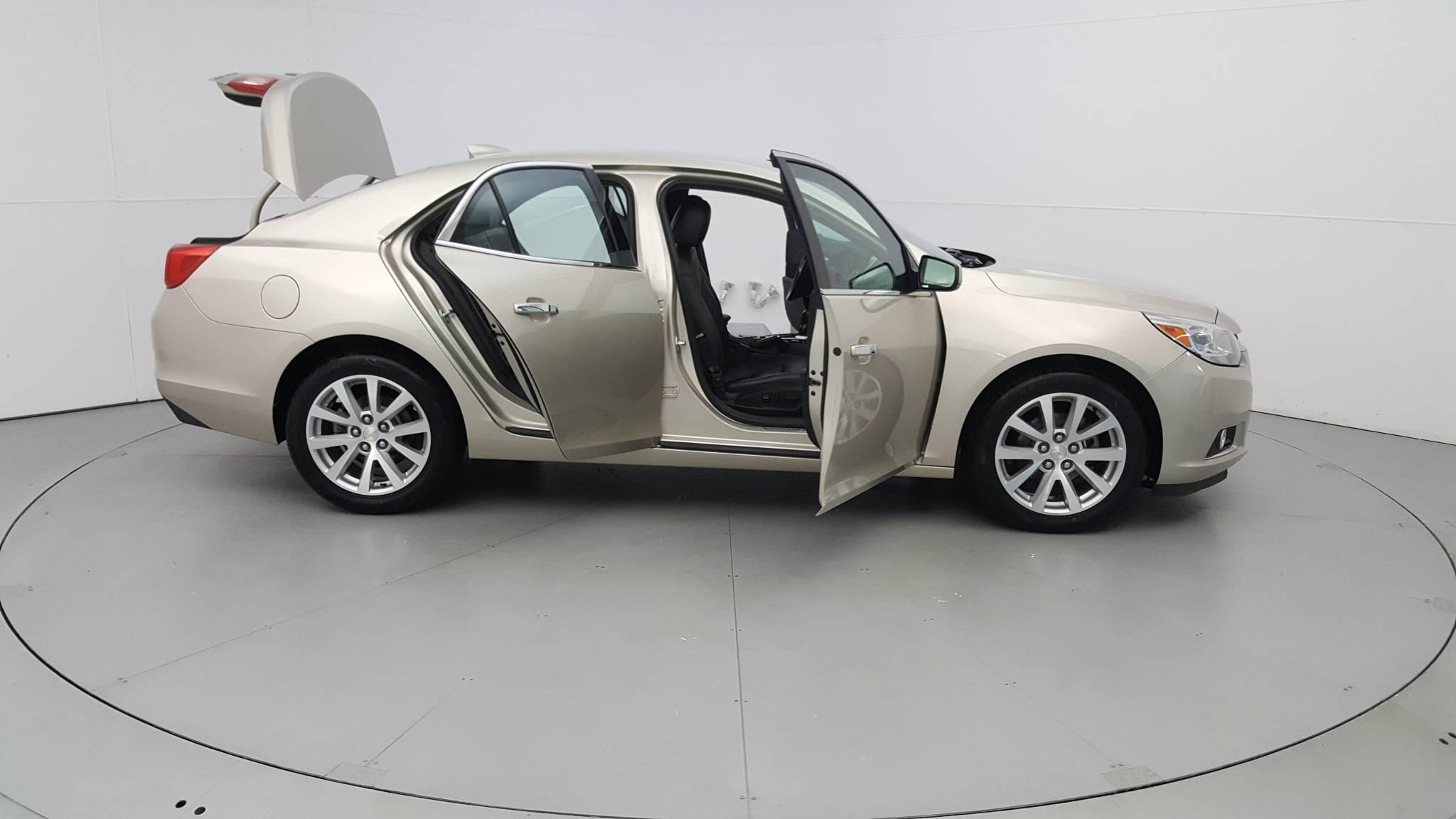 Pre-Owned 2015 Chevrolet Malibu LTZ
