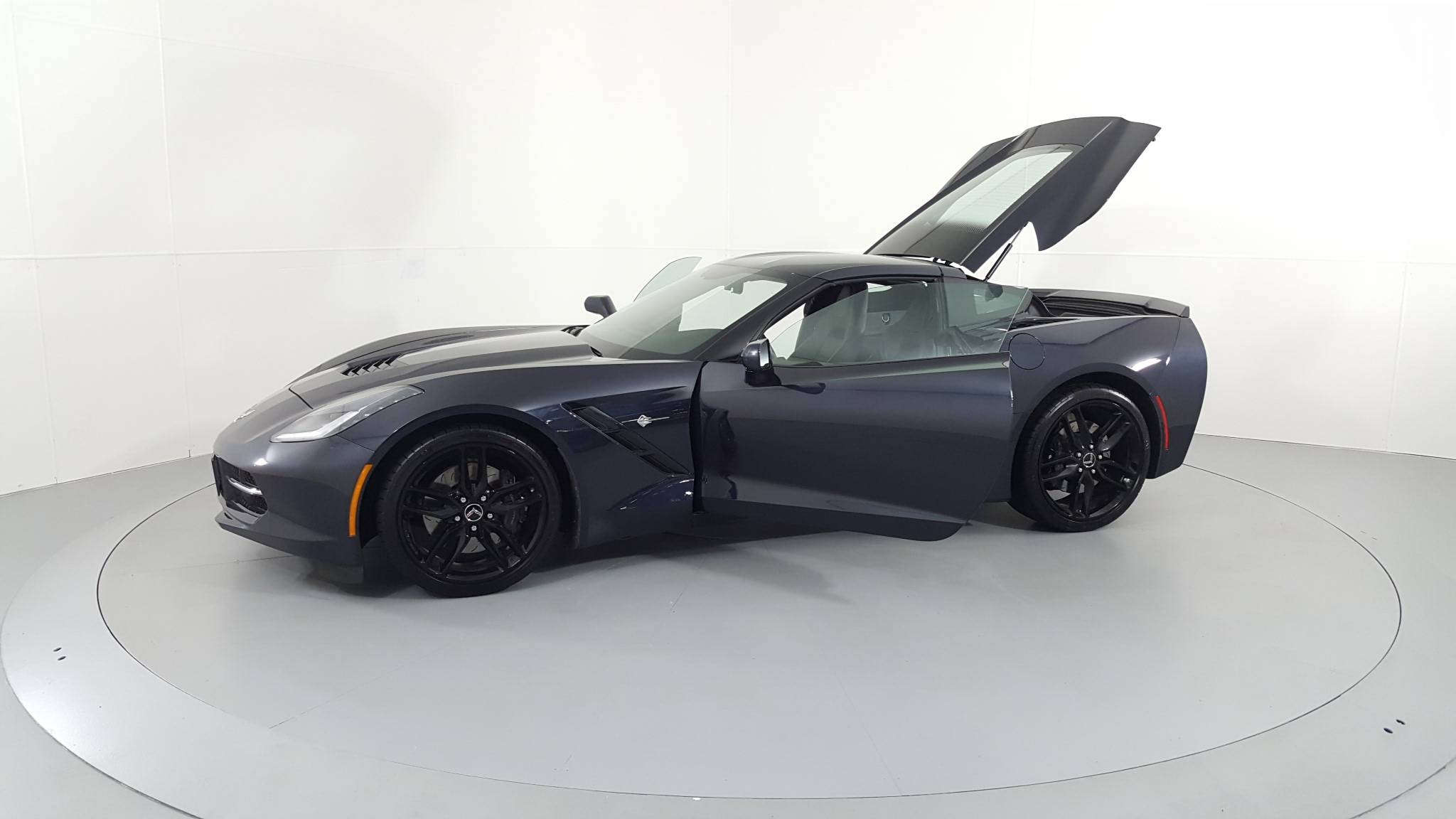 Pre-Owned 2014 Chevrolet Corvette Stingray Z51 1LT