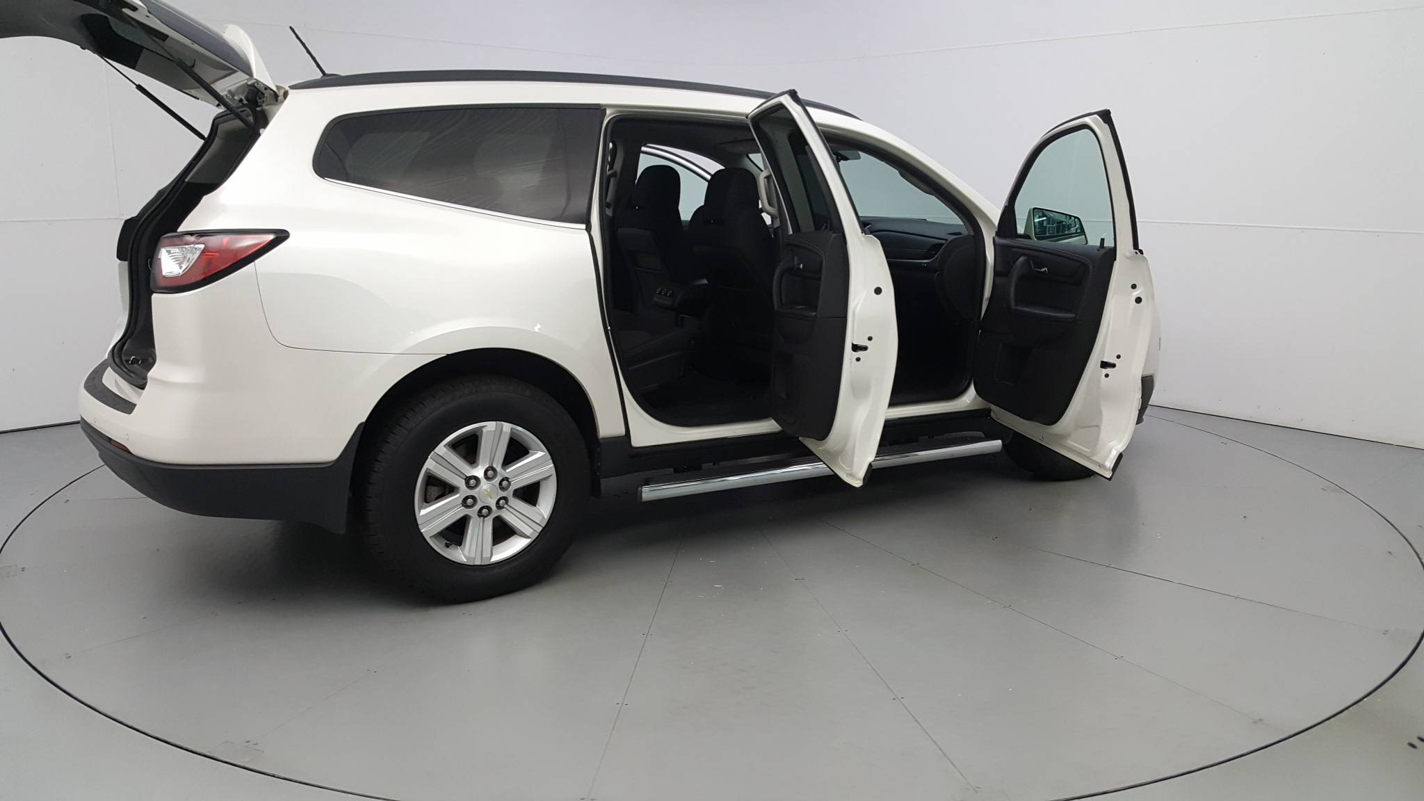 Pre-Owned 2014 Chevrolet Traverse LT