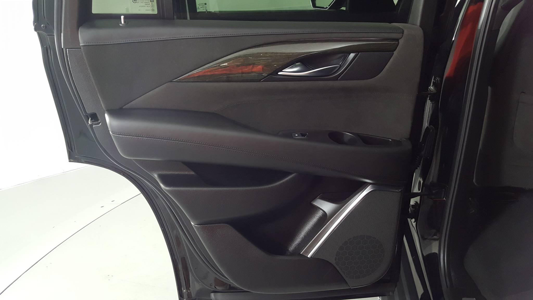 Pre-Owned 2016 Cadillac Escalade Platinum