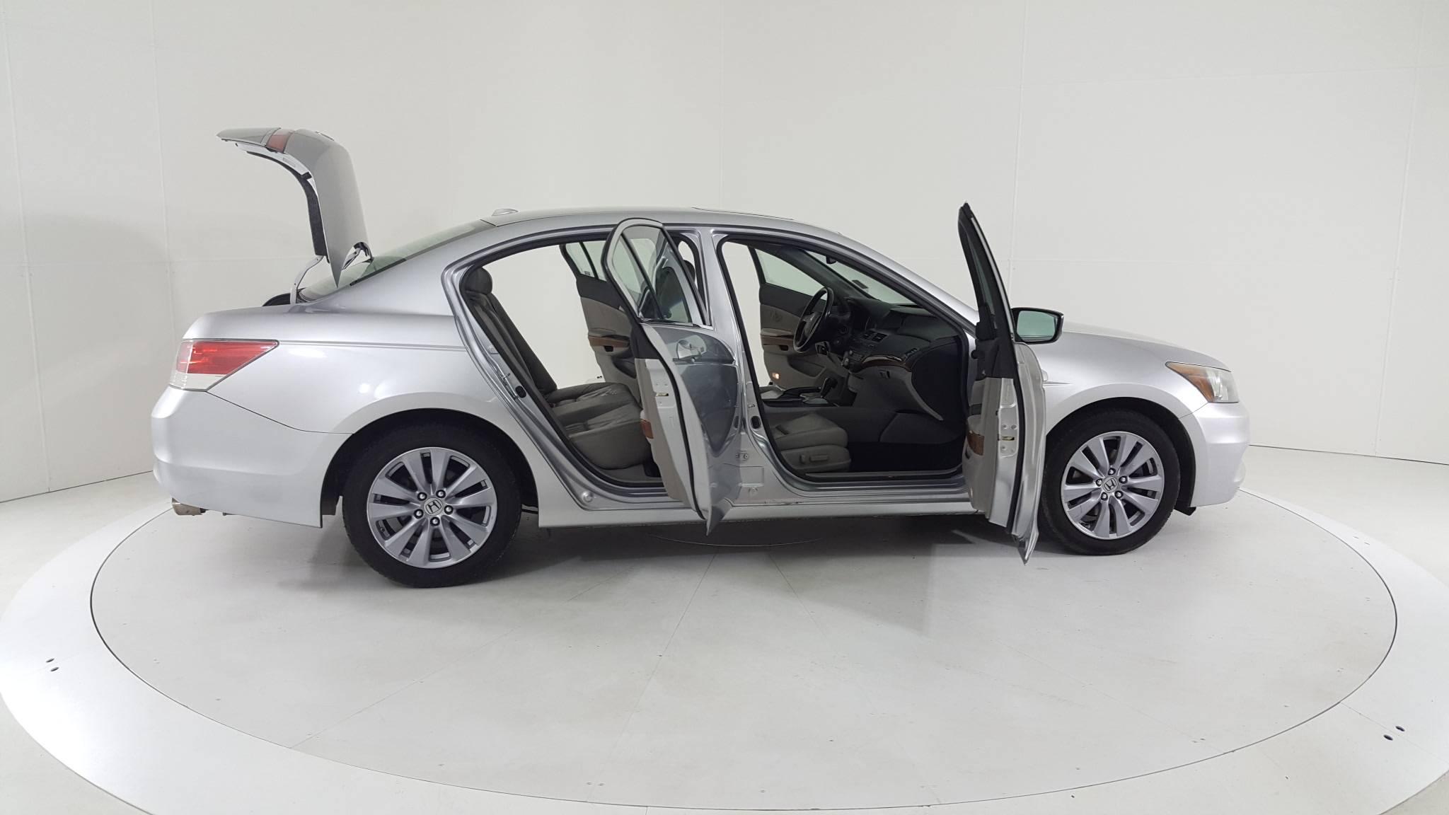 Pre-Owned 2011 Honda Accord EX-L