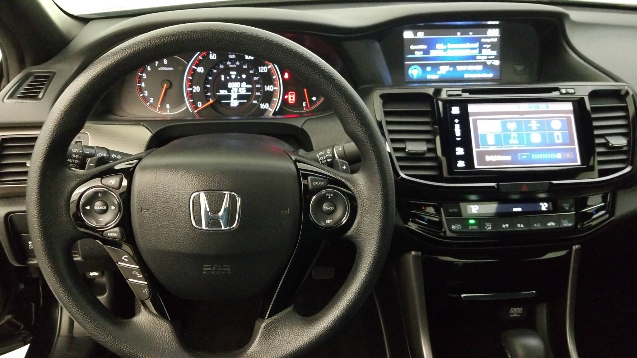 Pre-Owned 2017 Honda Accord Coupe EX