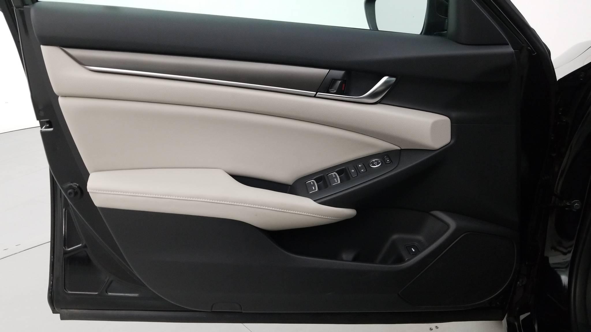 Pre-Owned 2018 Honda Accord Sedan LX 1.5T