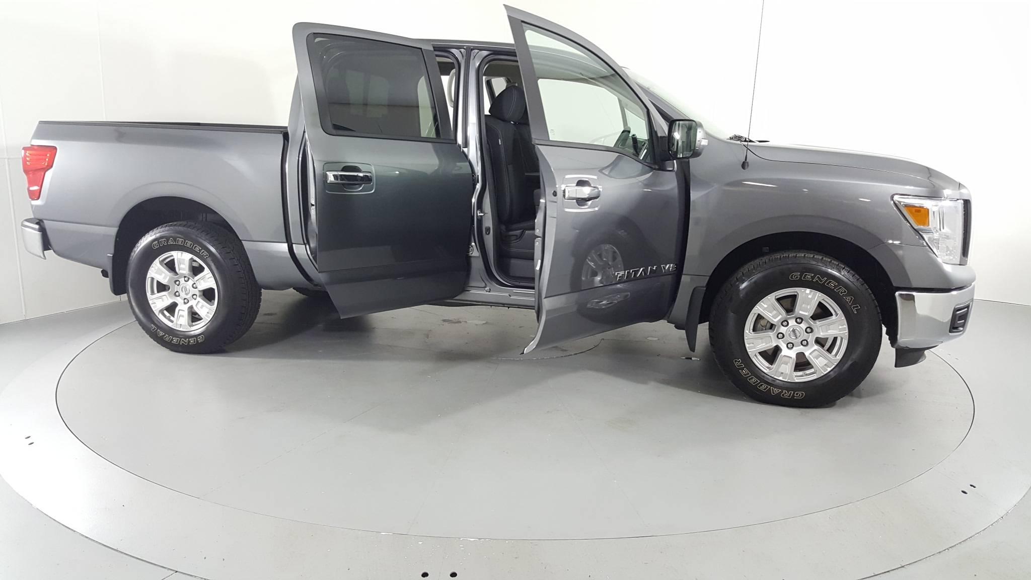 Pre-Owned 2019 Nissan Titan SV