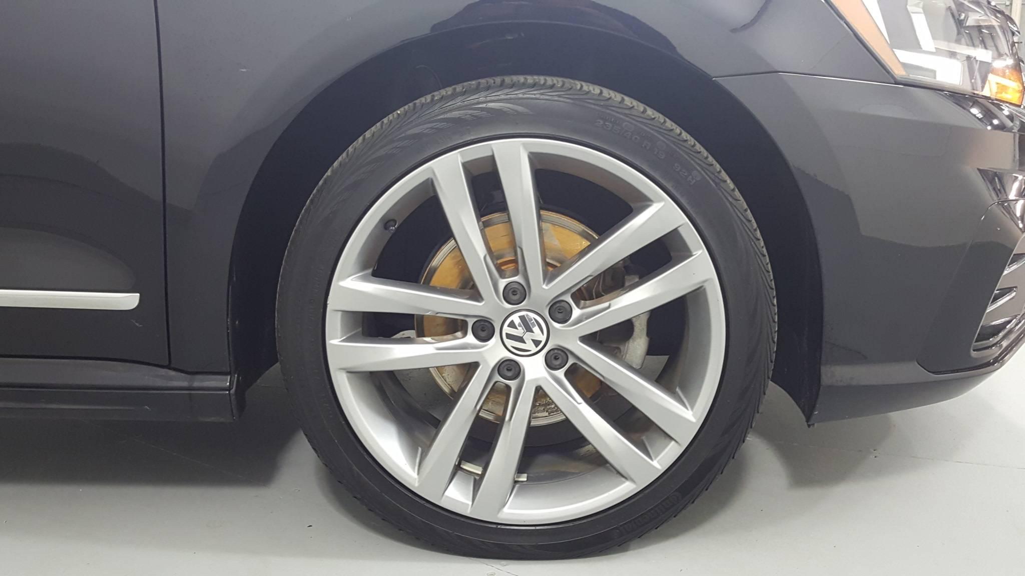 Certified Pre-Owned 2017 Volkswagen Passat R-Line w/Comfort Pkg