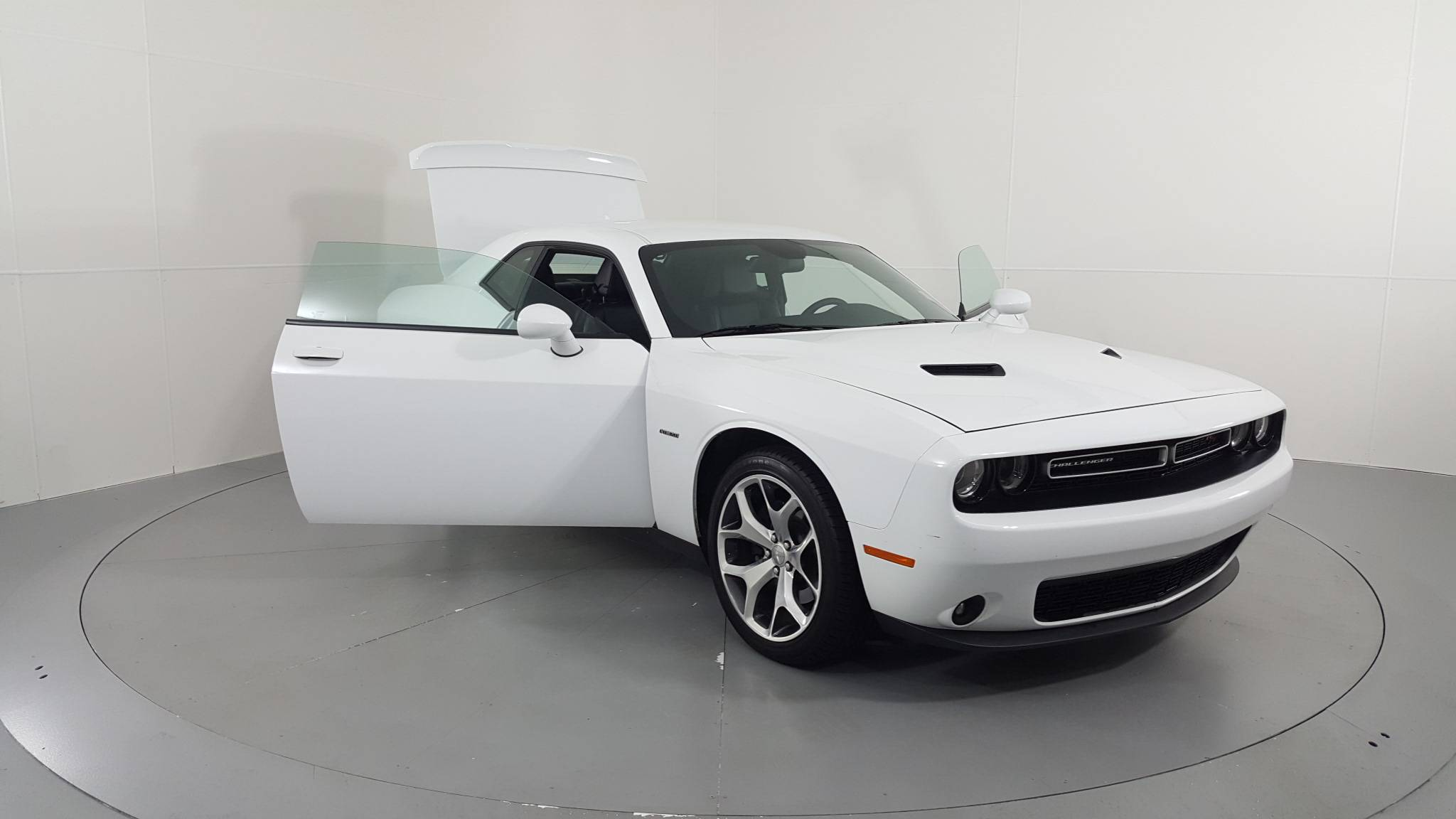 Pre-Owned 2015 Dodge Challenger R/T Plus