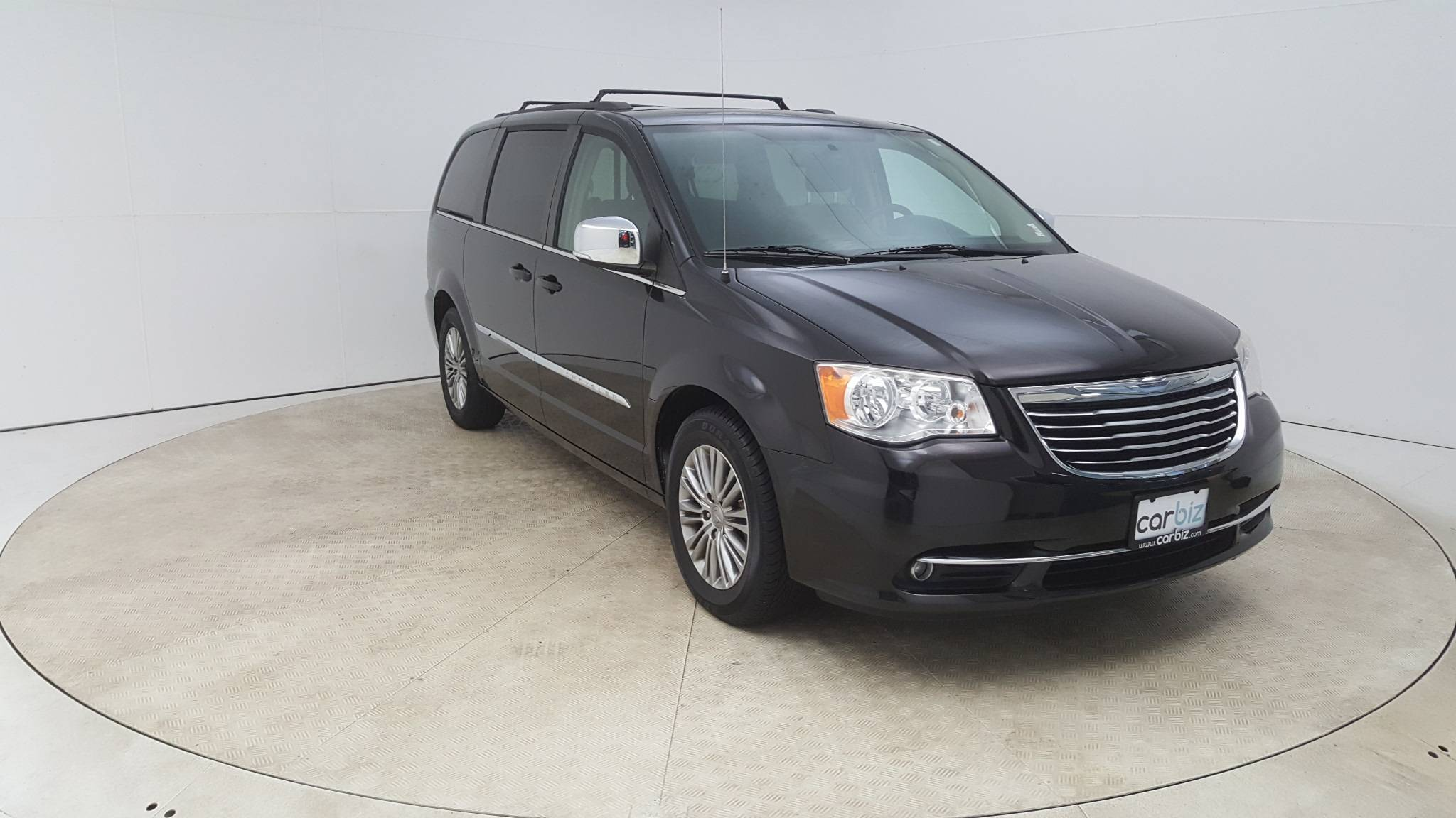 Pre-Owned 2014 Chrysler Town & Country Touring-L