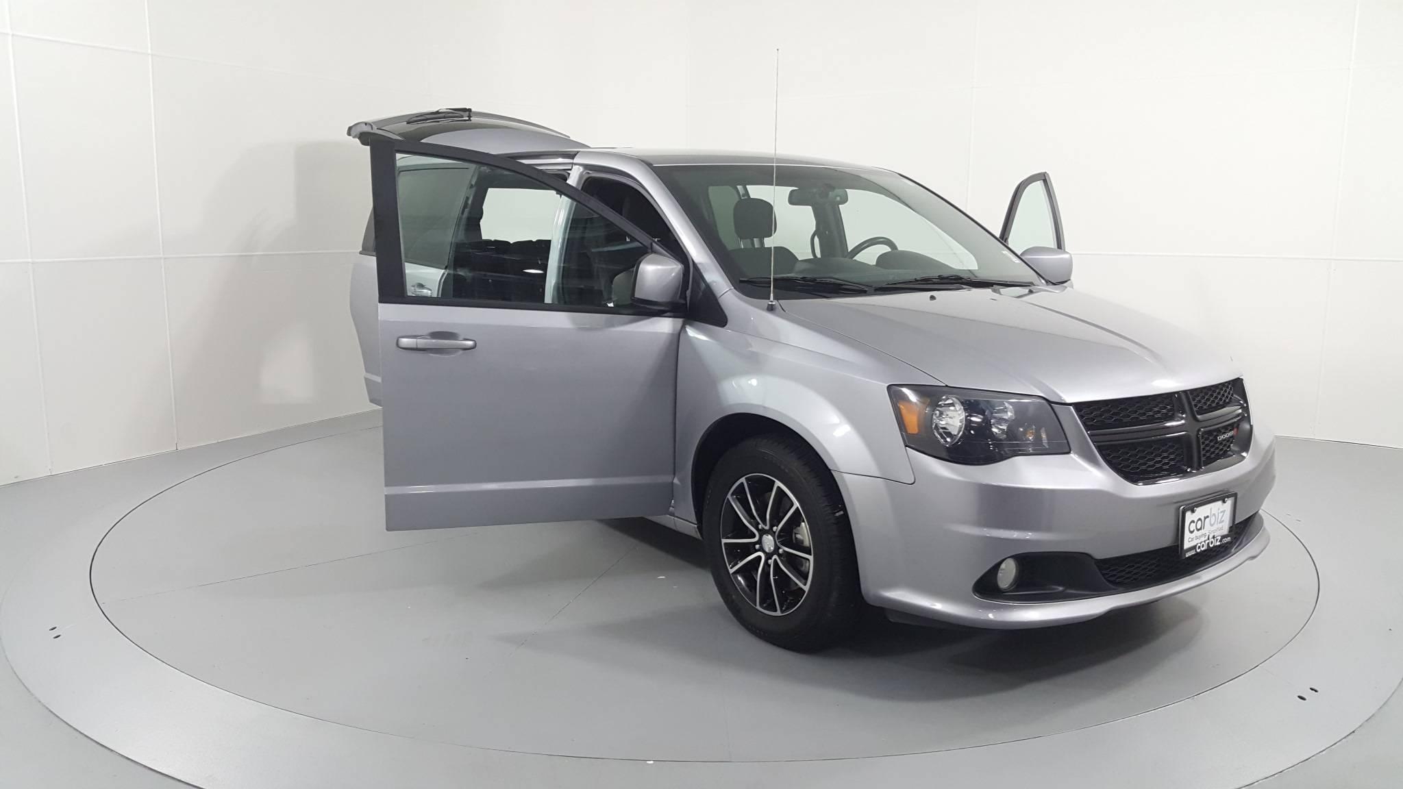 Pre-Owned 2018 Dodge Grand Caravan SE Plus