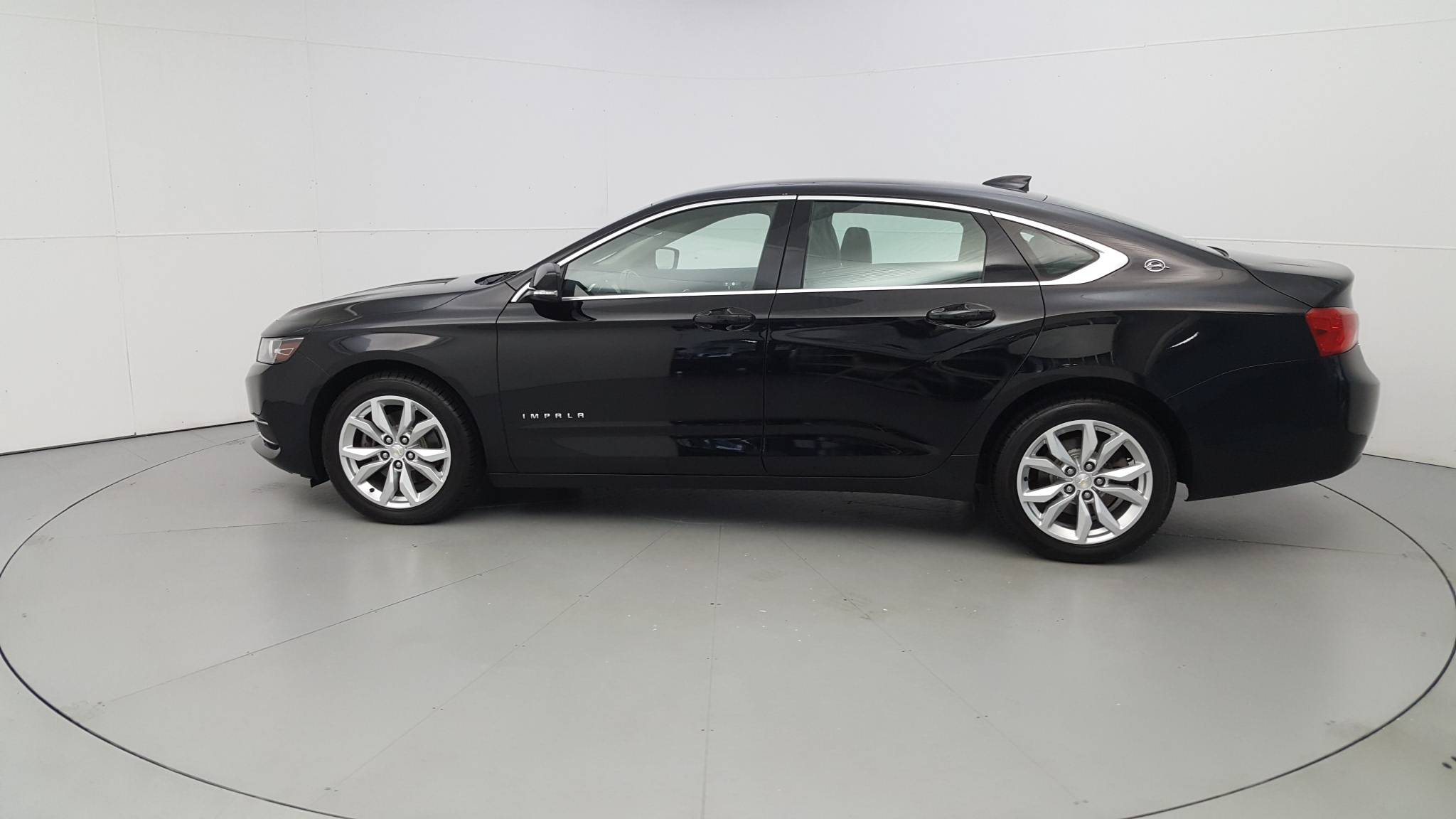 Pre-Owned 2017 Chevrolet Impala LT
