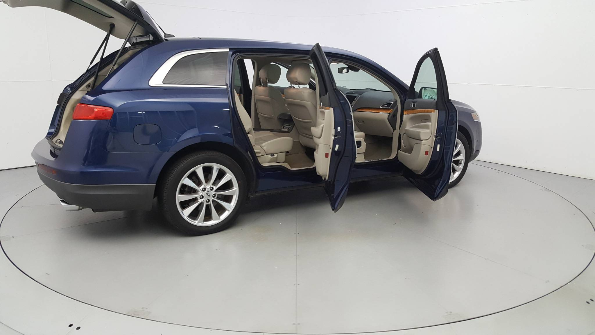 Pre-Owned 2012 Lincoln MKT w/EcoBoost