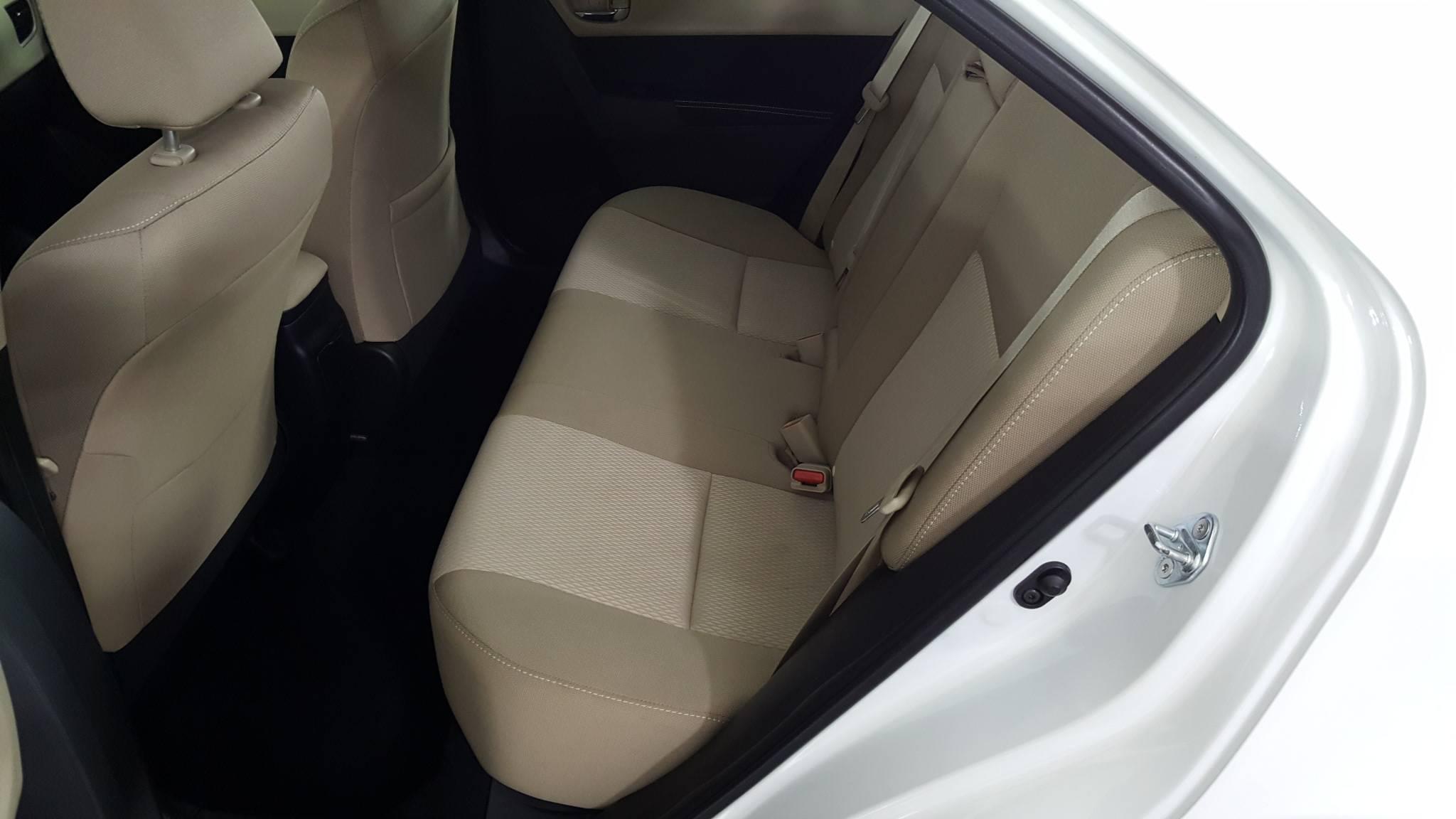 Pre-Owned 2015 Toyota Corolla LE Plus