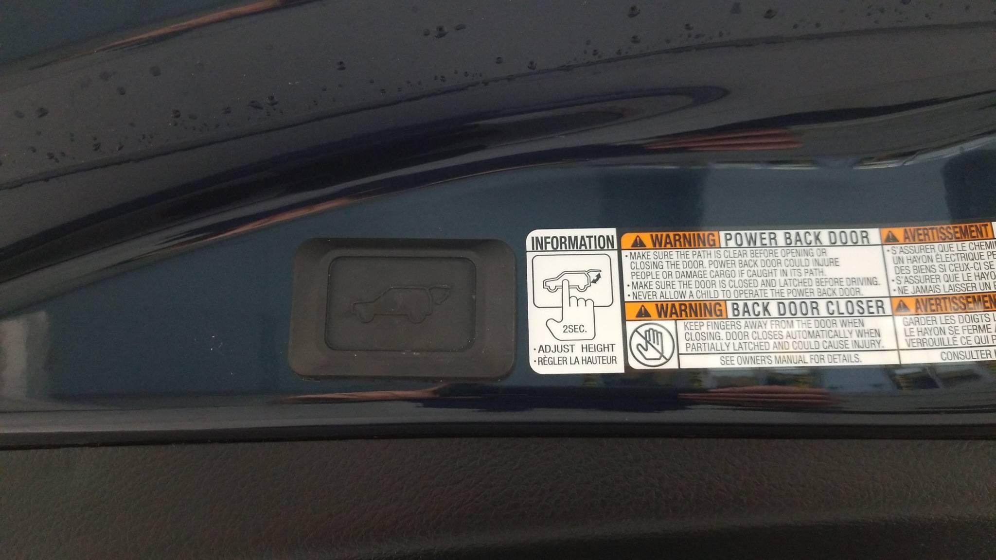 Pre-Owned 2017 Toyota RAV4 Platinum