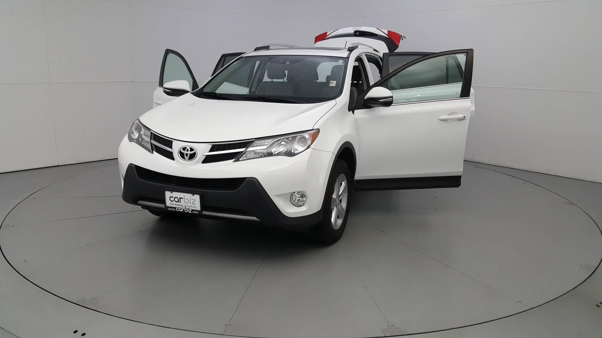 Pre-Owned 2014 Toyota RAV4 XLE