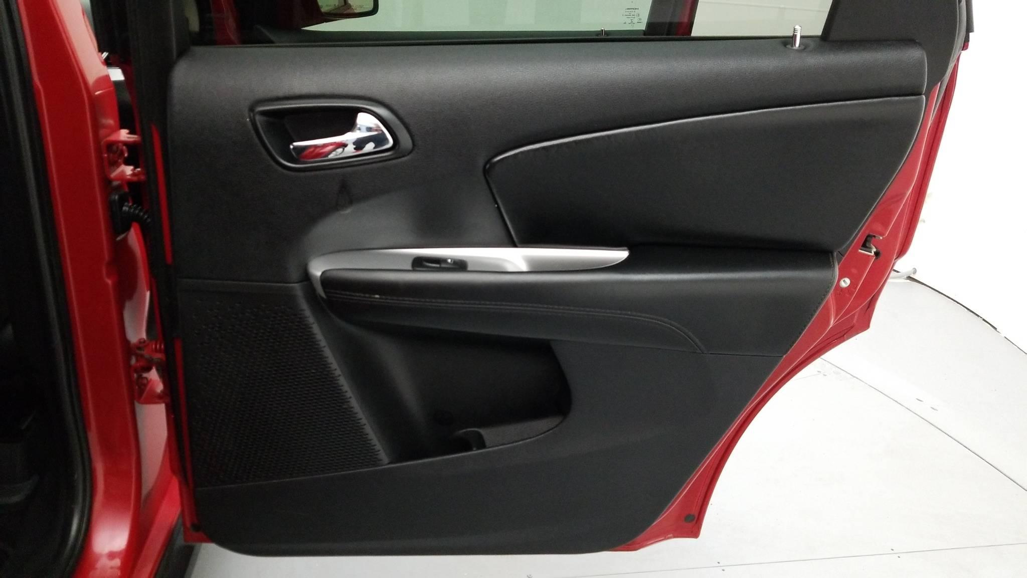 Pre-Owned 2015 Dodge Journey SXT