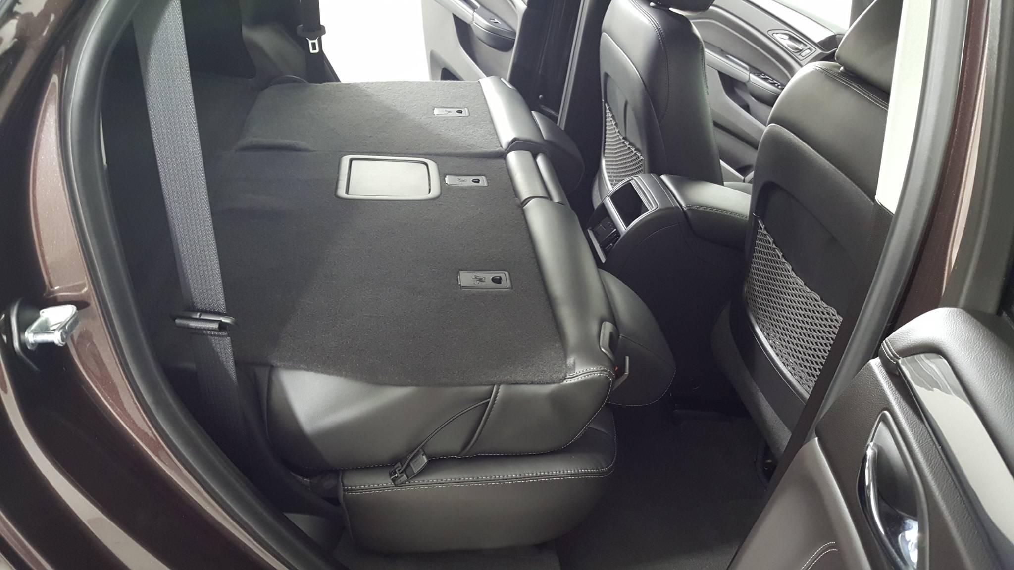 Pre-Owned 2016 Cadillac SRX Base