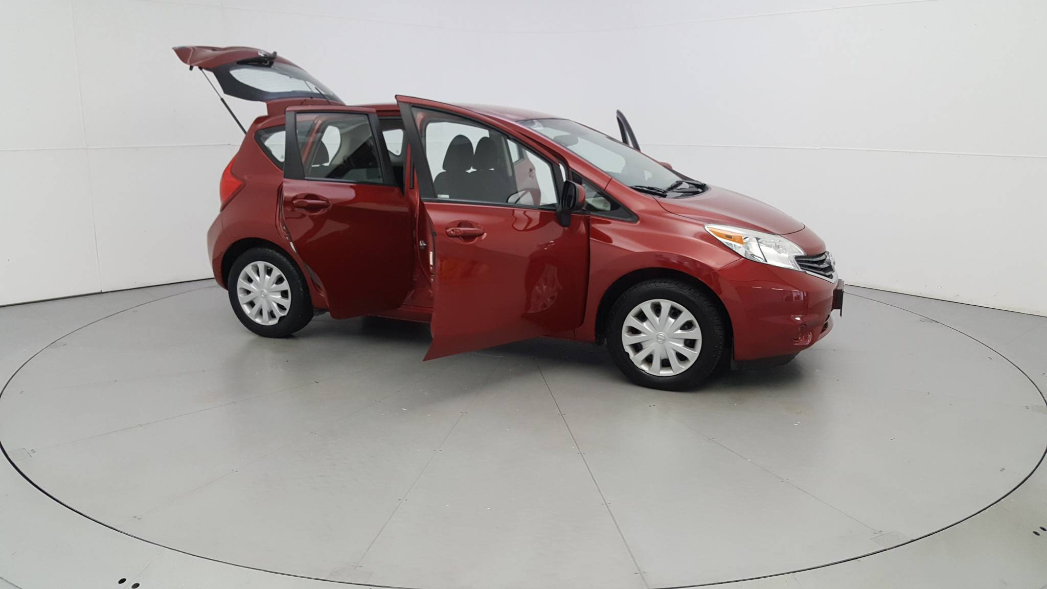 Pre-Owned 2014 Nissan Versa Note S Plus