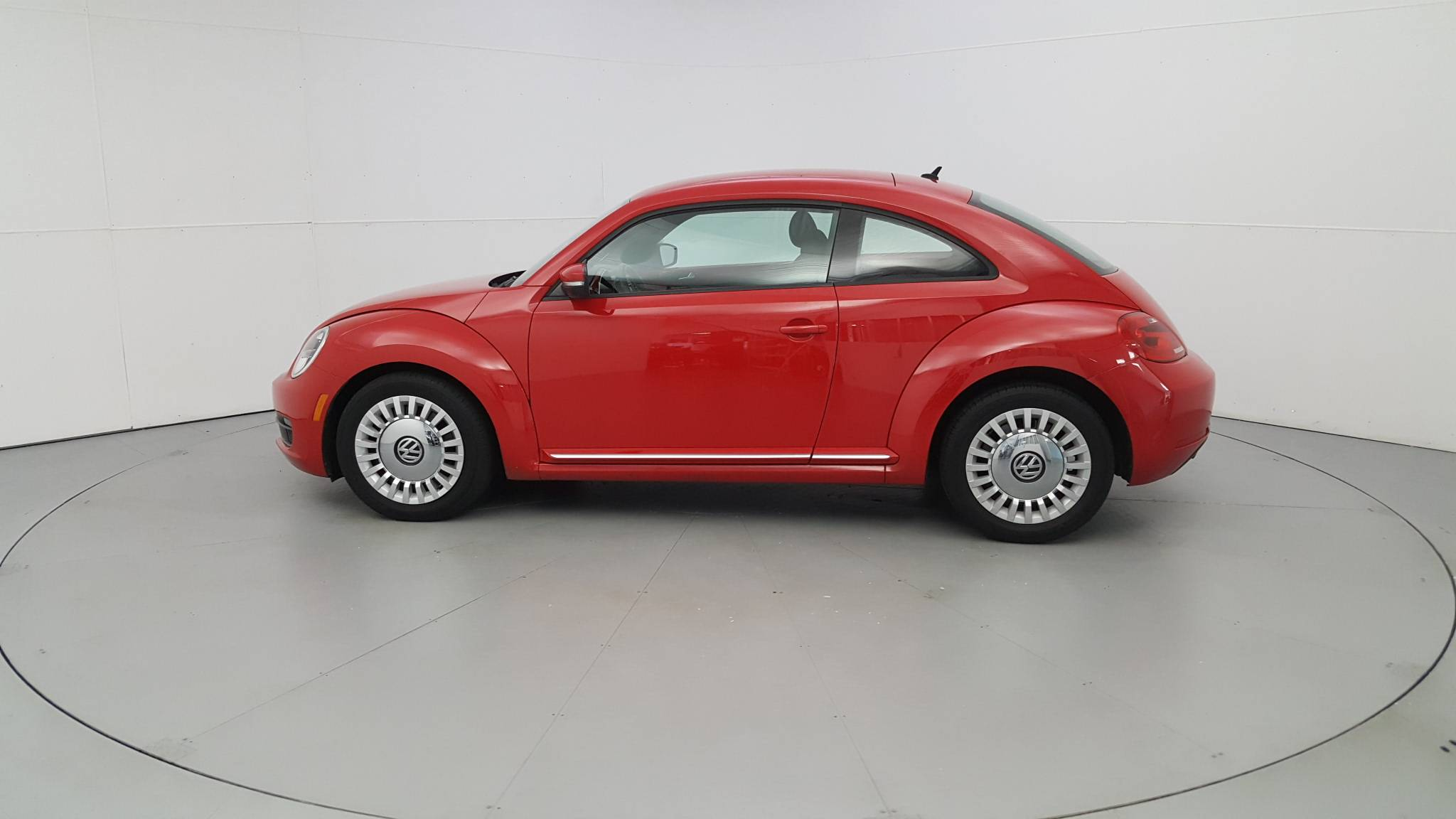 Pre-Owned 2013 Volkswagen Beetle Coupe 2.5L