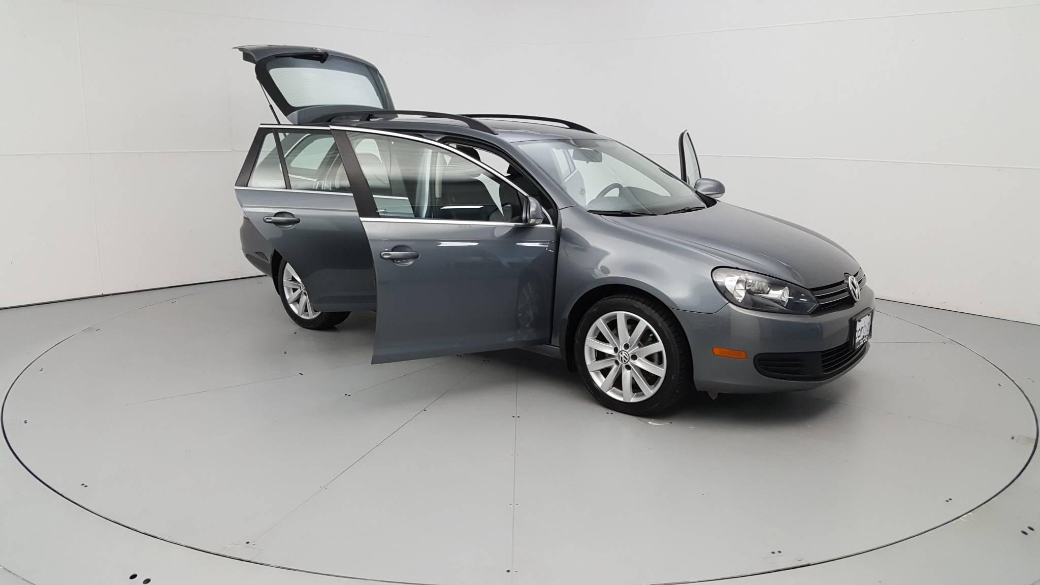 Pre-Owned 2012 Volkswagen Jetta TDI w/Sunroof