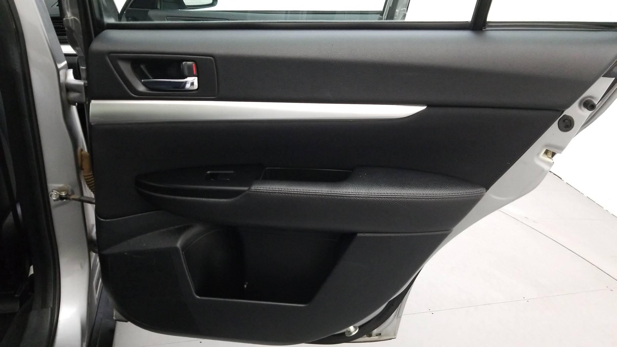 Pre-Owned 2011 Subaru Outback 2.5i