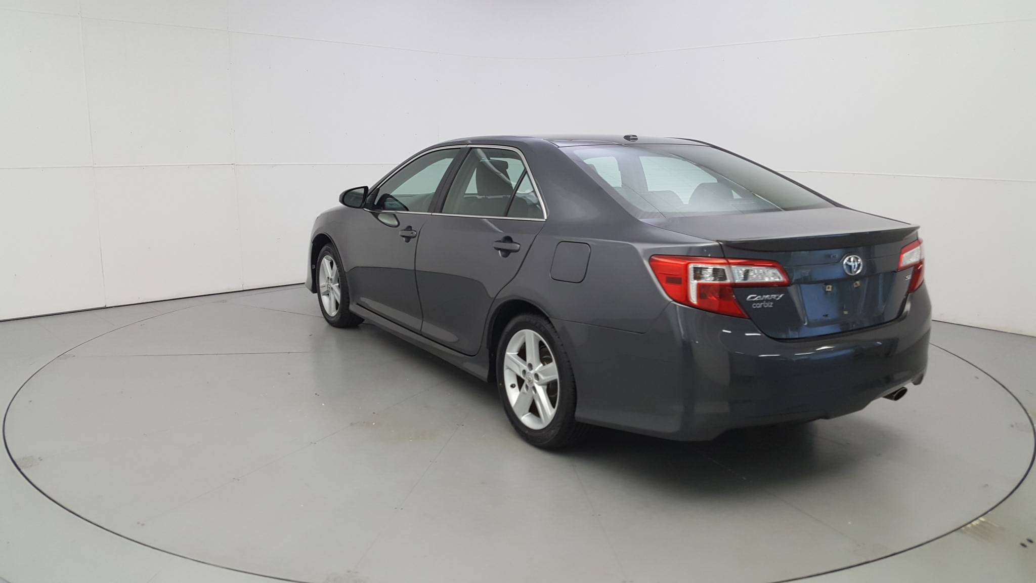 Pre-Owned 2012 Toyota Camry SE
