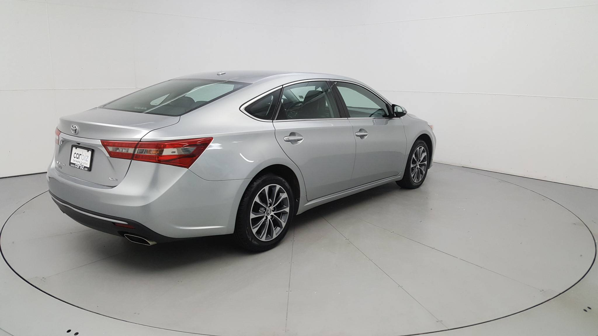 Pre-Owned 2016 Toyota Avalon XLE Plus