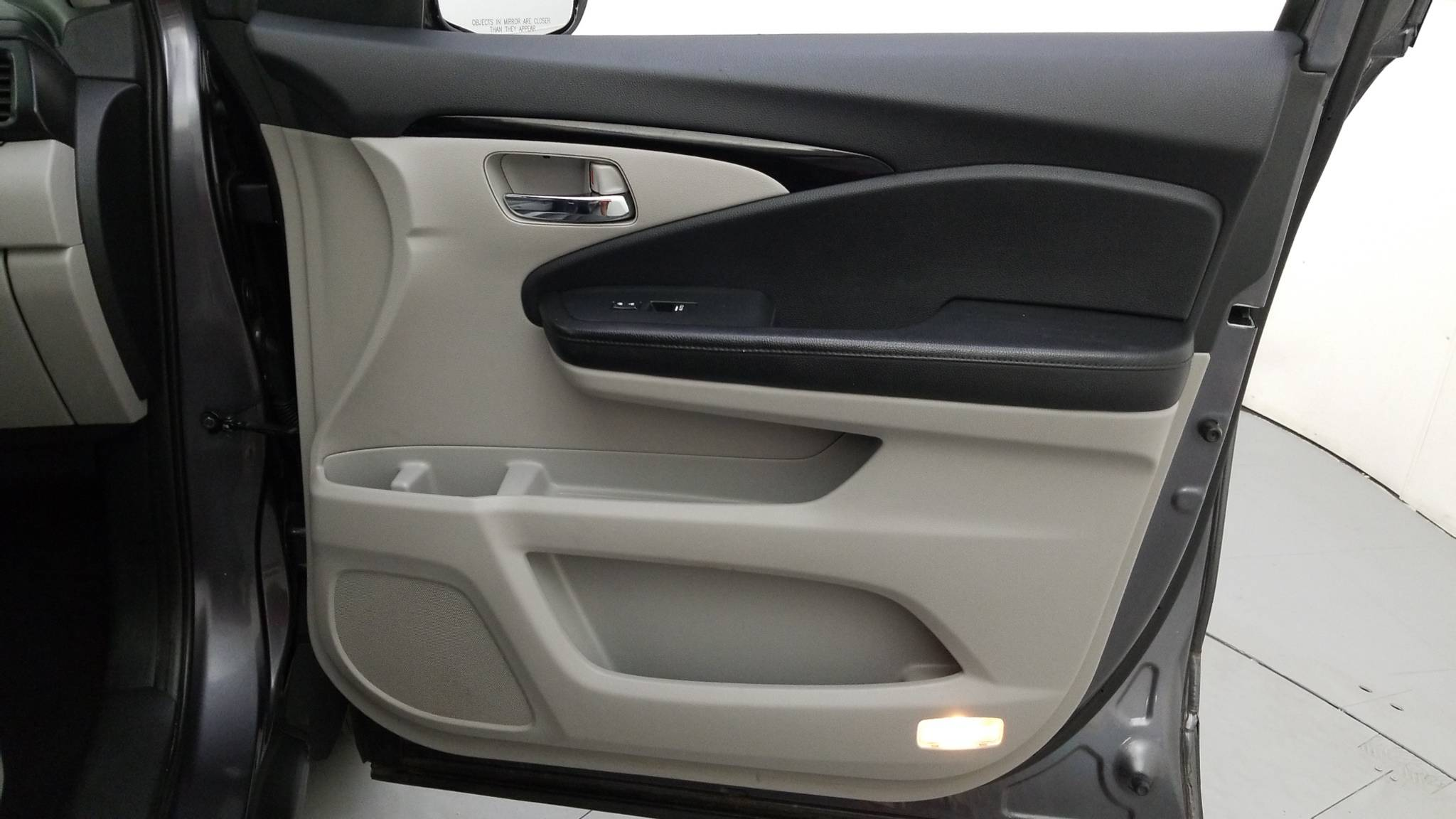 Pre-Owned 2016 Honda Pilot Touring