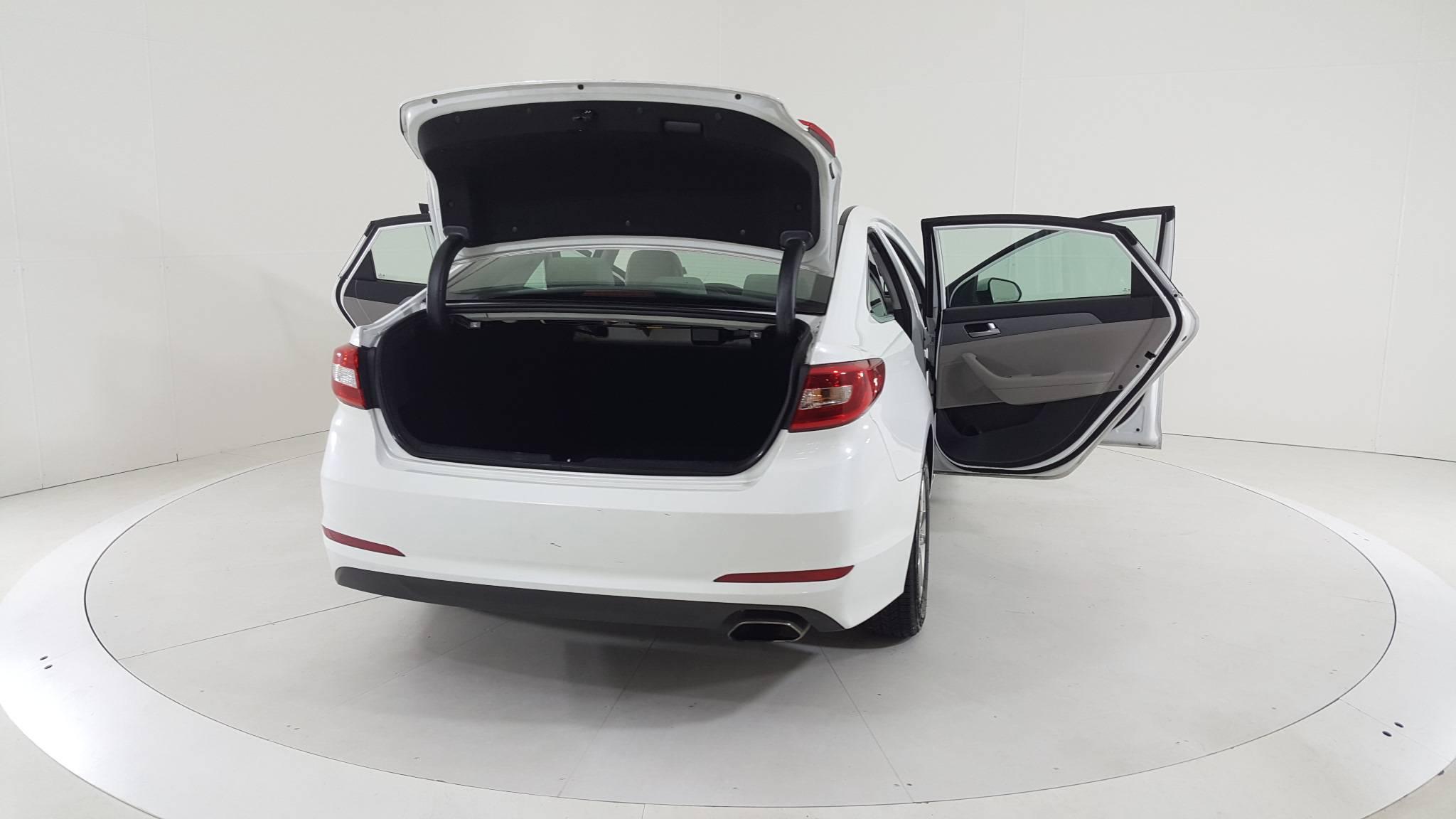 Pre-Owned 2017 Hyundai Sonata 2.4L