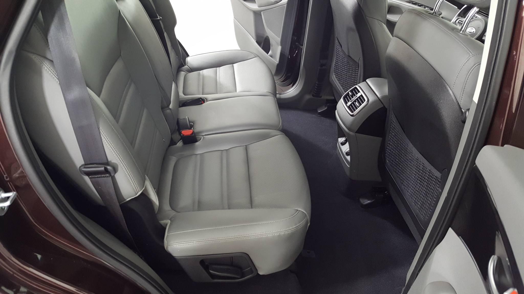 Pre-Owned 2016 Kia Sorento EX