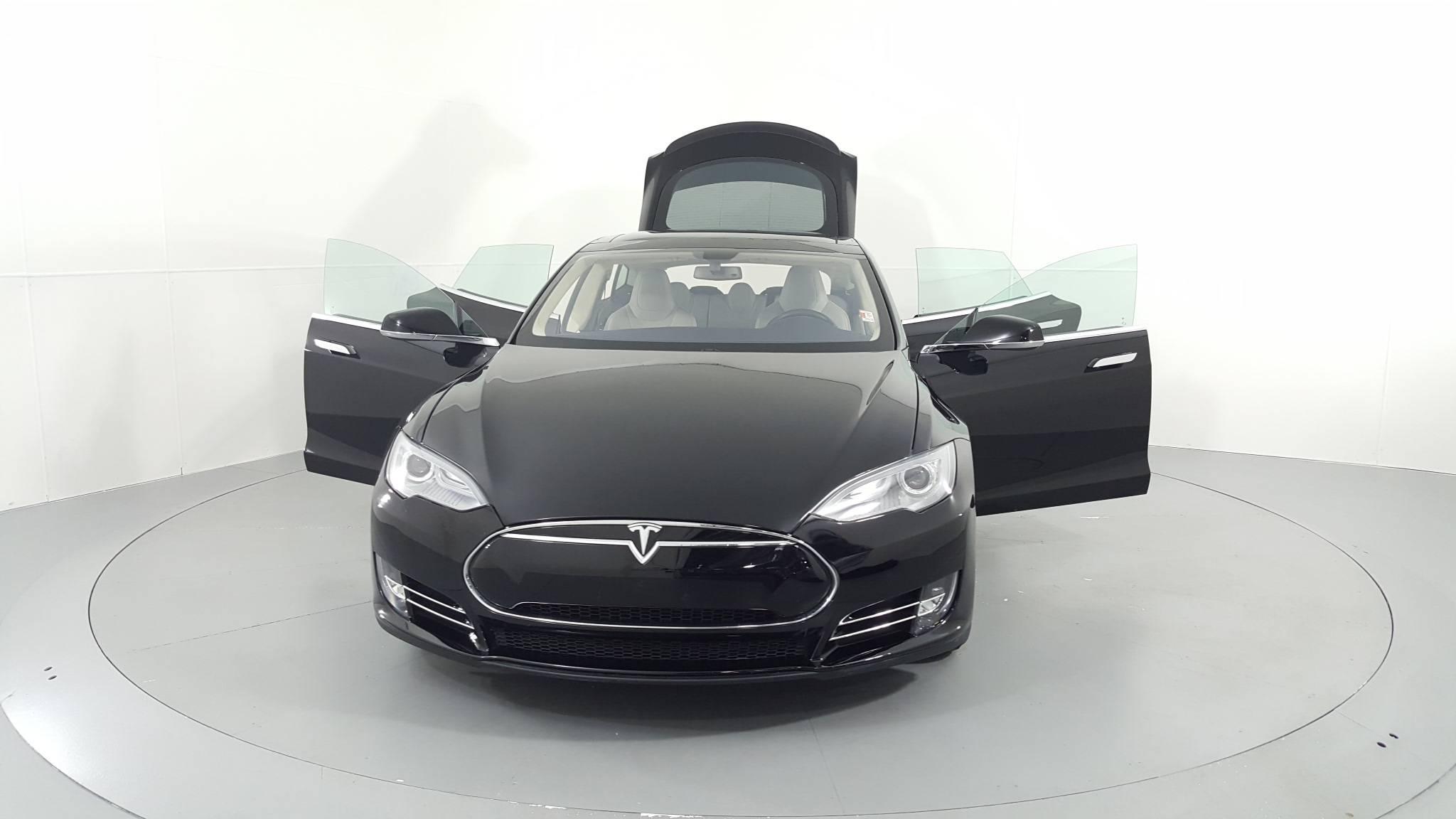 Pre-Owned 2013 Tesla Model S Performance