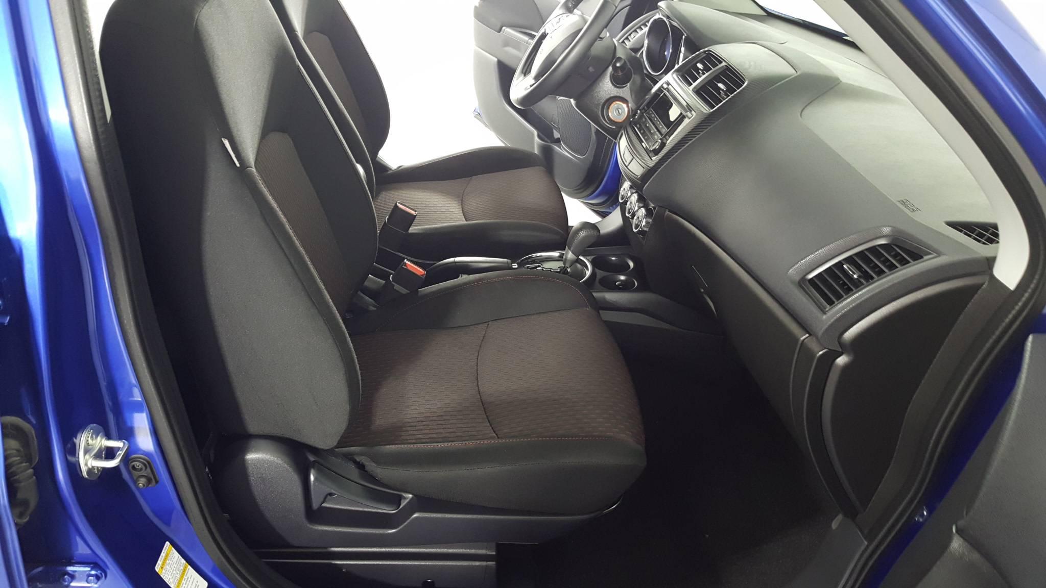 Pre-Owned 2017 Mitsubishi Outlander Sport ES 2.0