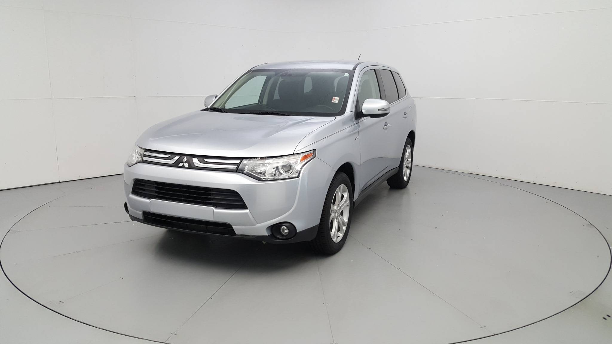Pre-Owned 2014 Mitsubishi Outlander GT