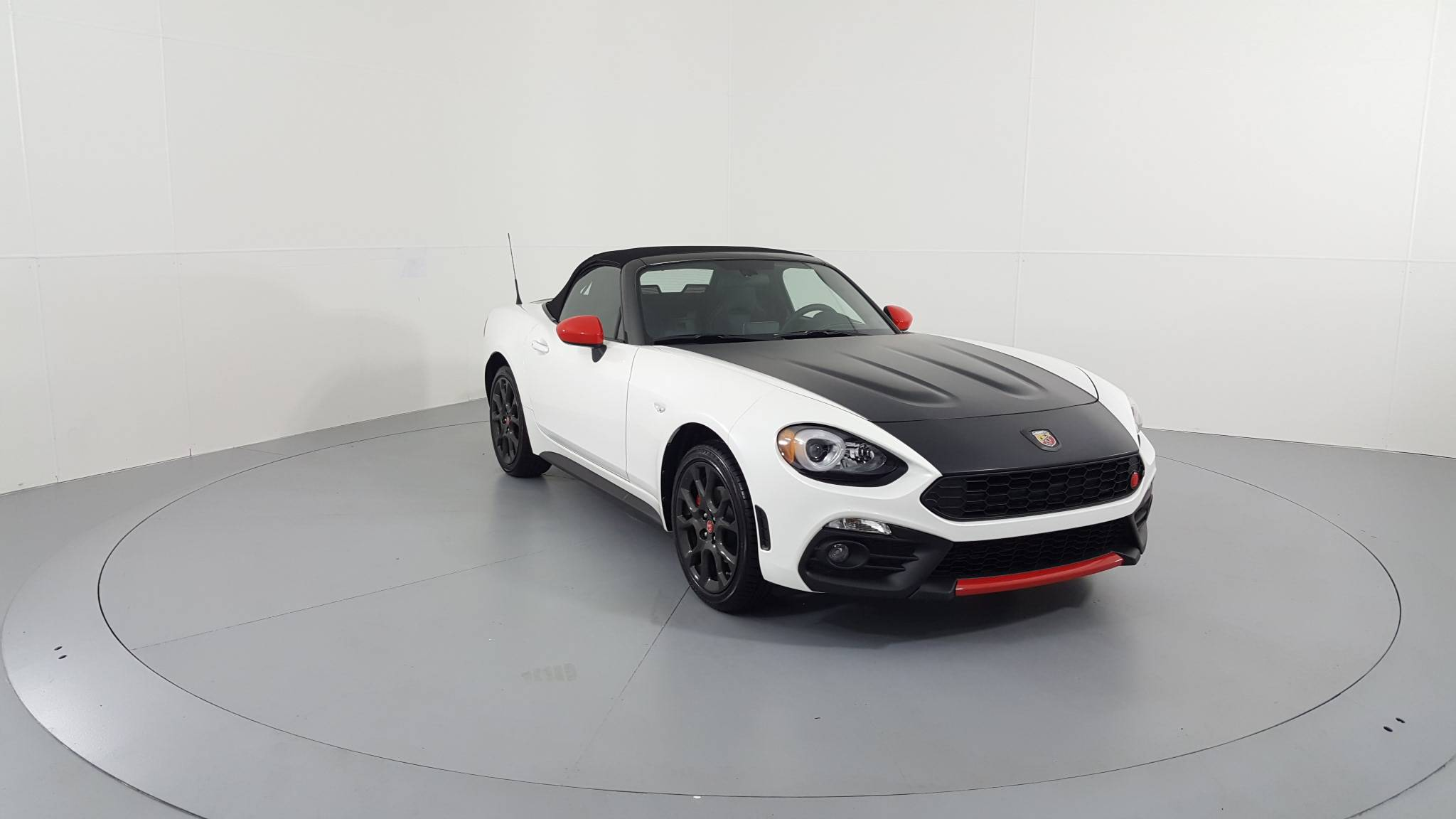 Pre-Owned 2019 FIAT 124 Spider Abarth