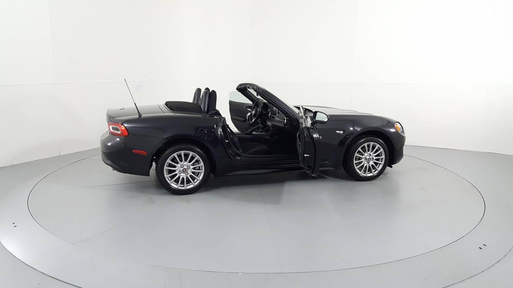 Pre-Owned 2018 FIAT 124 Spider Classica