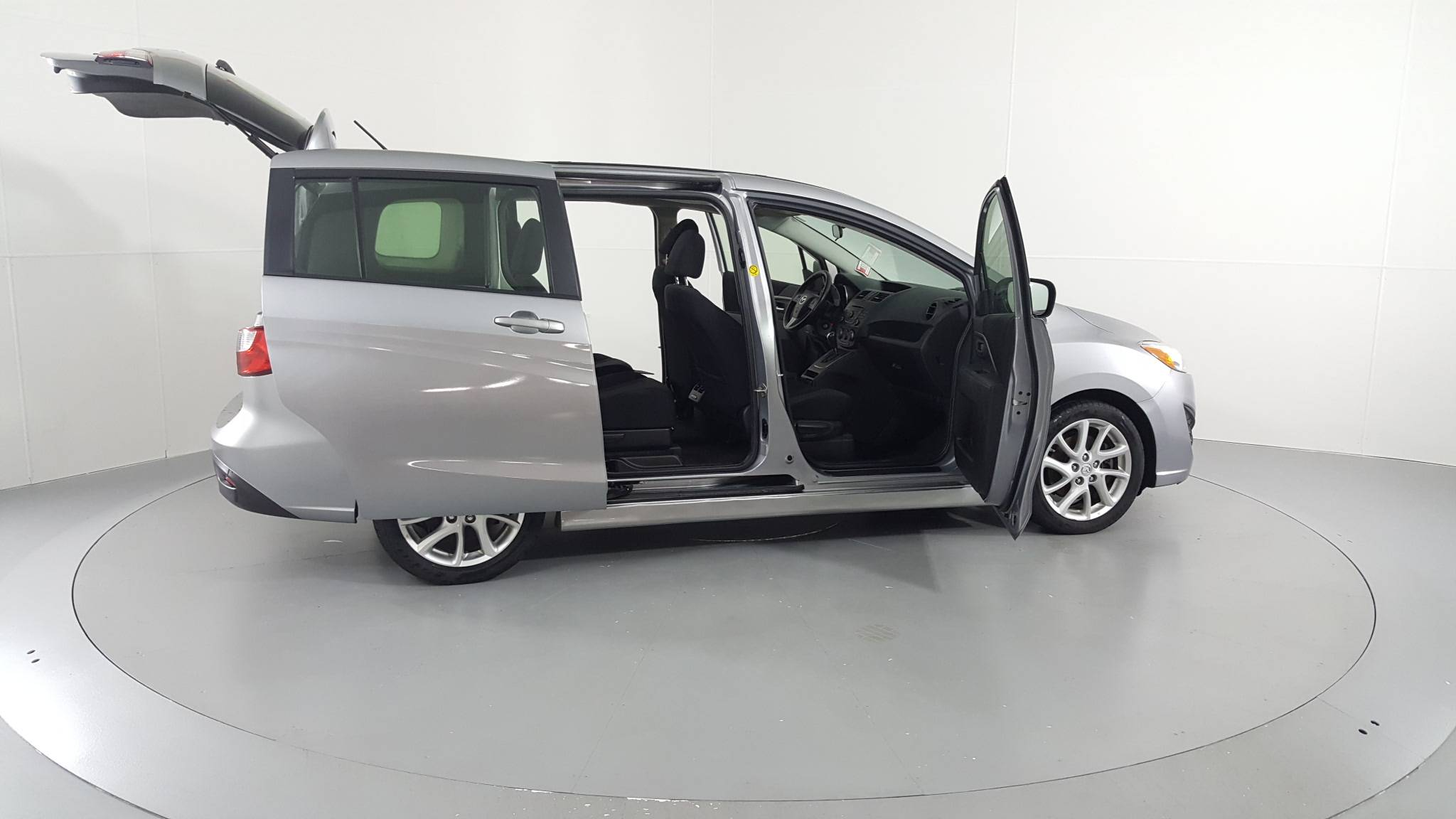 Pre-Owned 2012 Mazda5 Touring