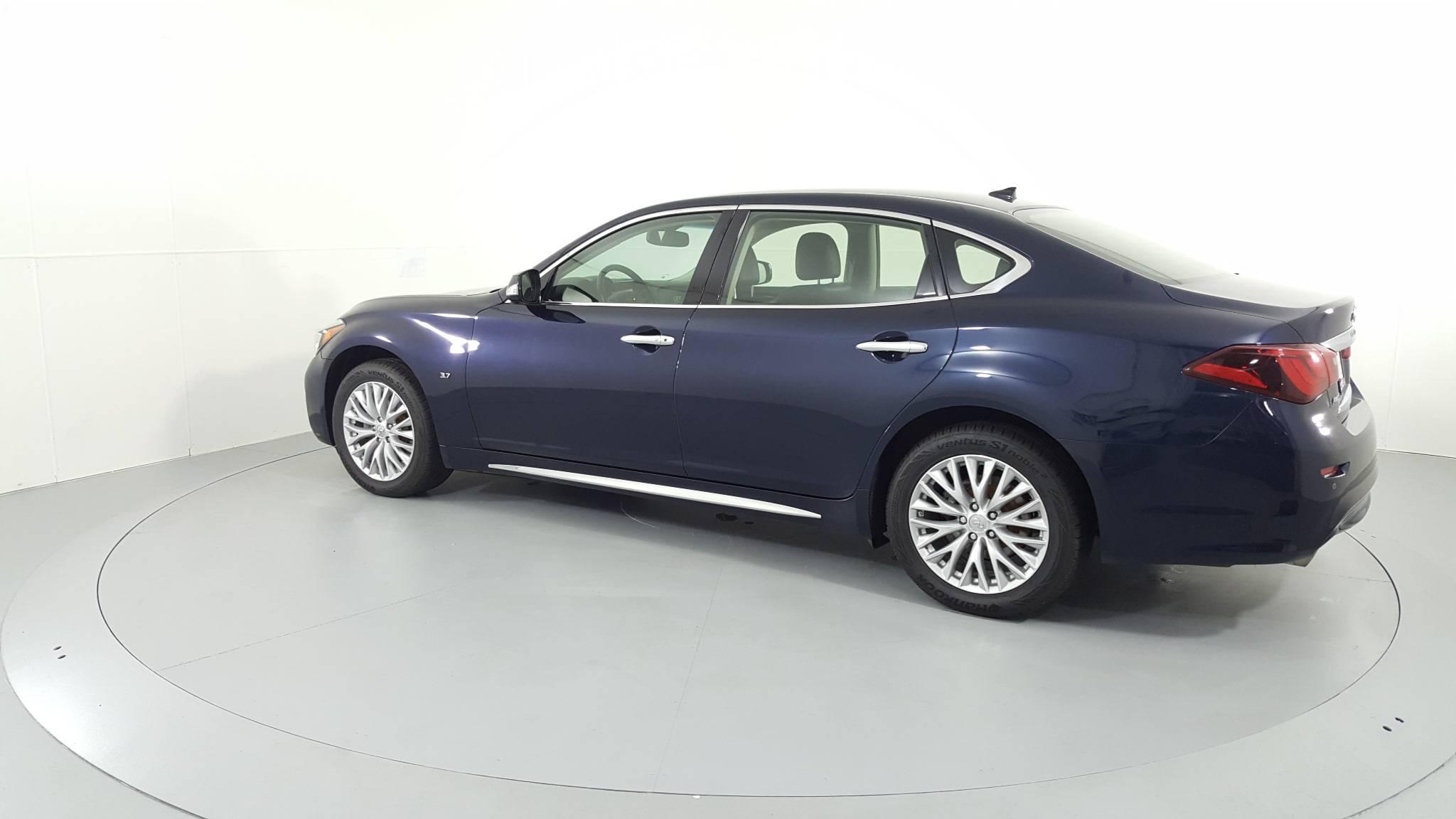 Pre-Owned 2016 INFINITI Q70L