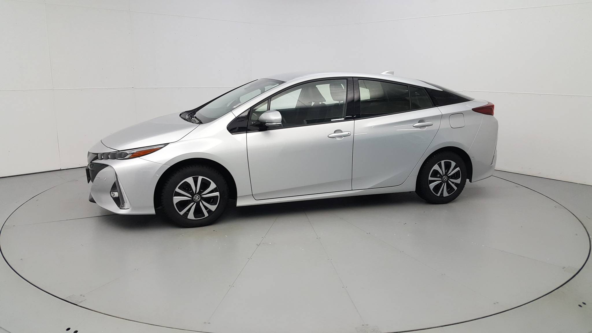 Pre-Owned 2017 Toyota Prius Prime Advanced