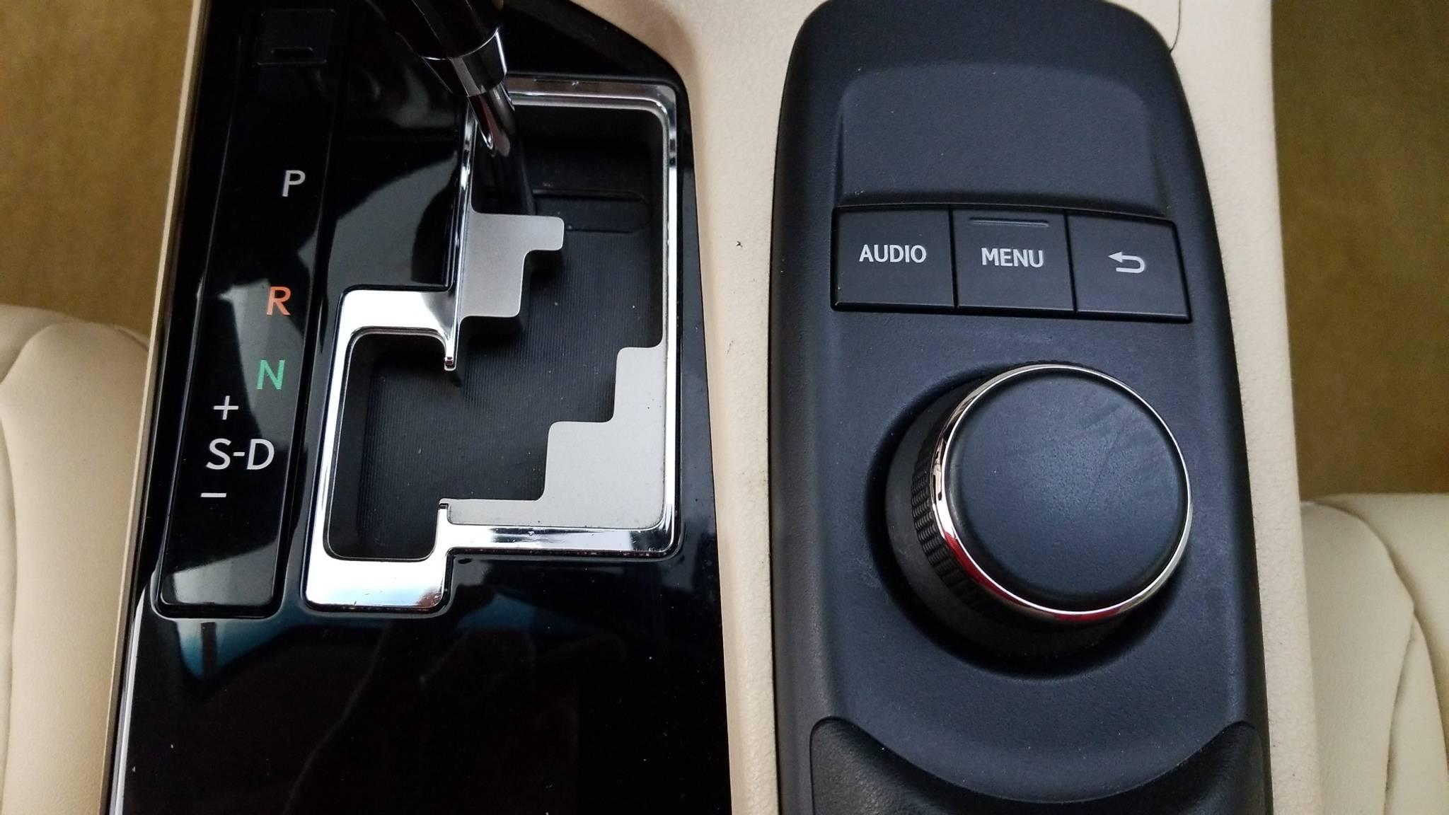 Pre-Owned 2013 Lexus ES 350 4dr Sdn