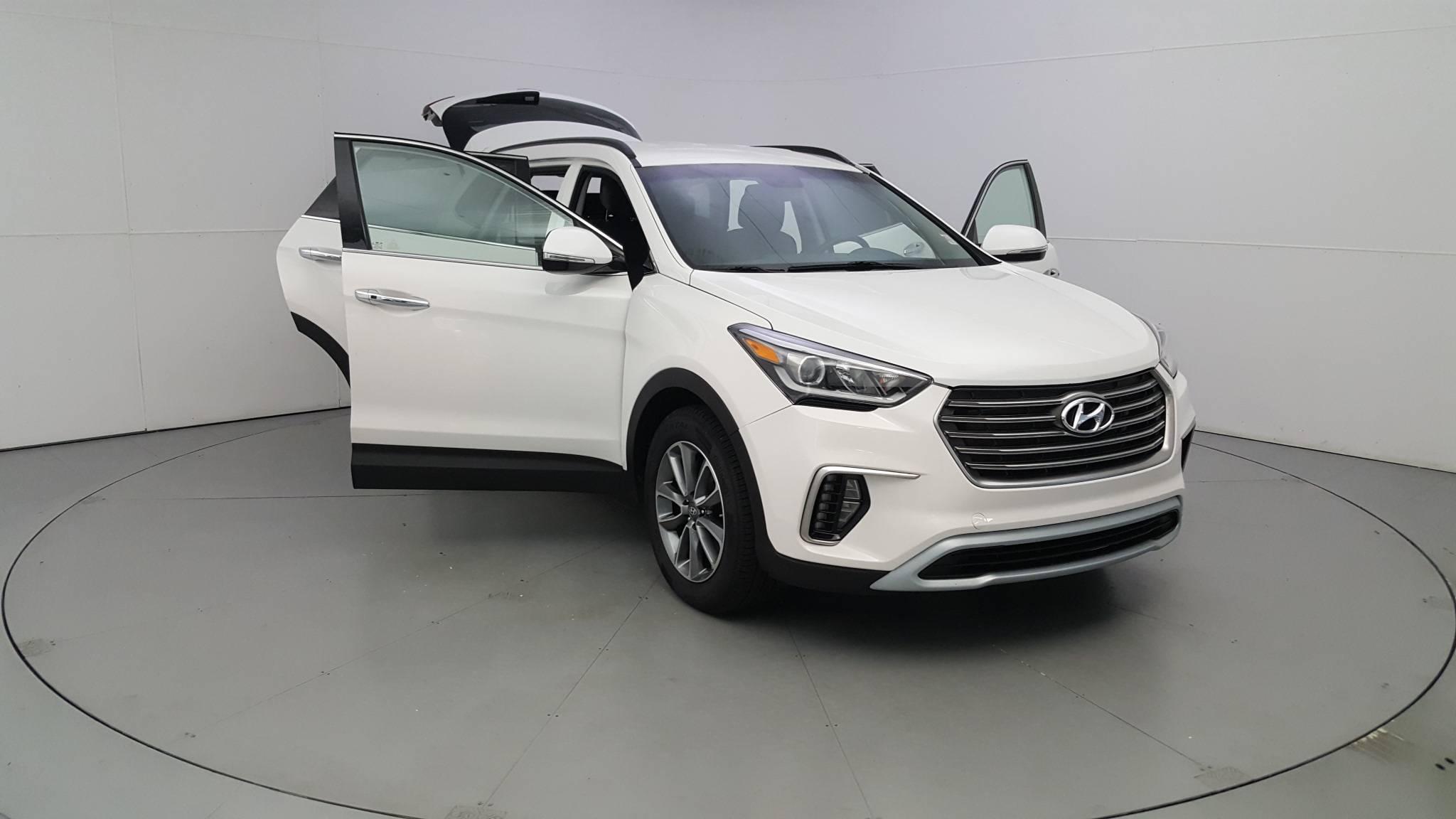 Pre-Owned 2017 Hyundai Santa Fe SE