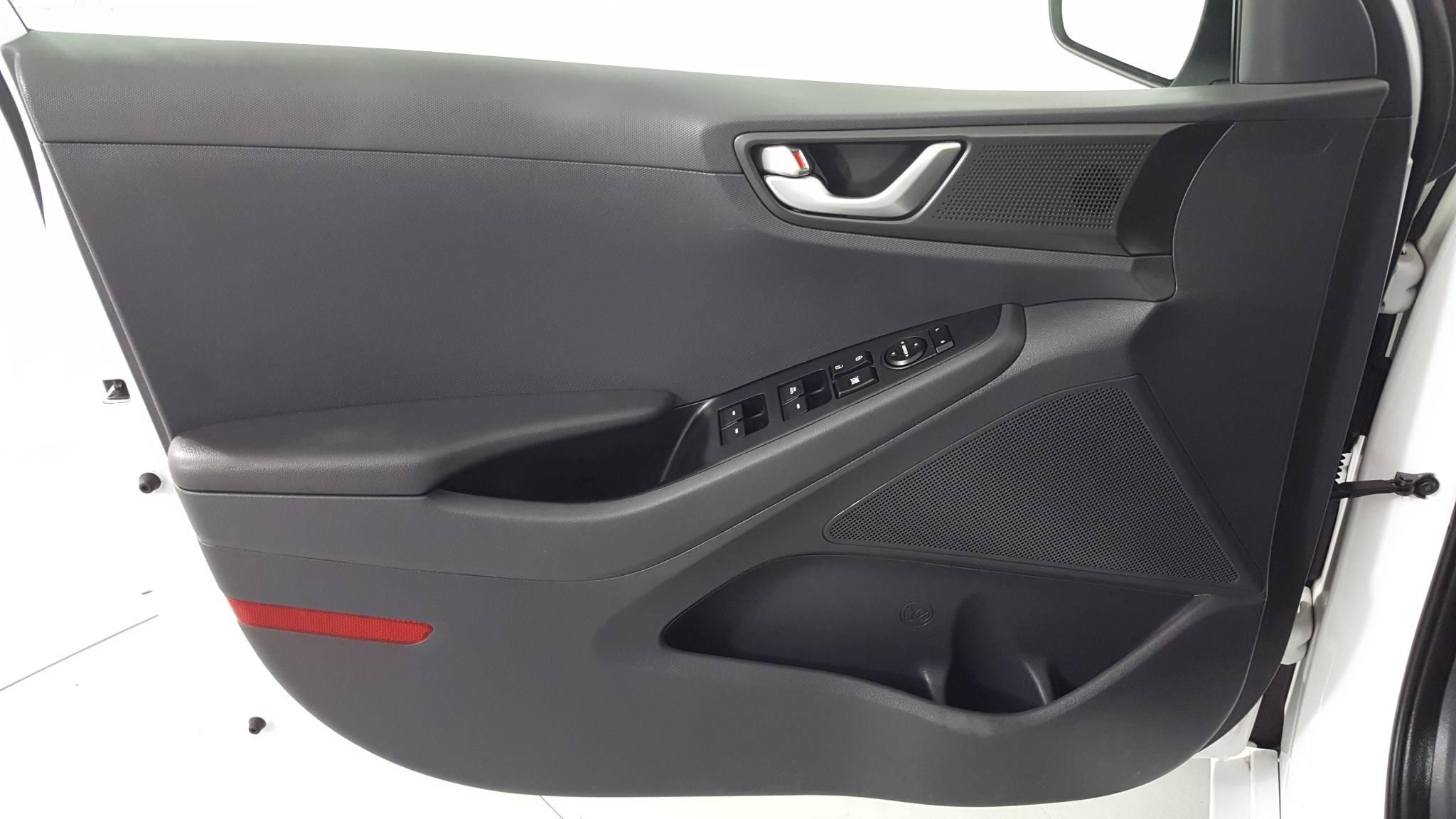 Pre-Owned 2017 Hyundai Ioniq Hybrid Blue