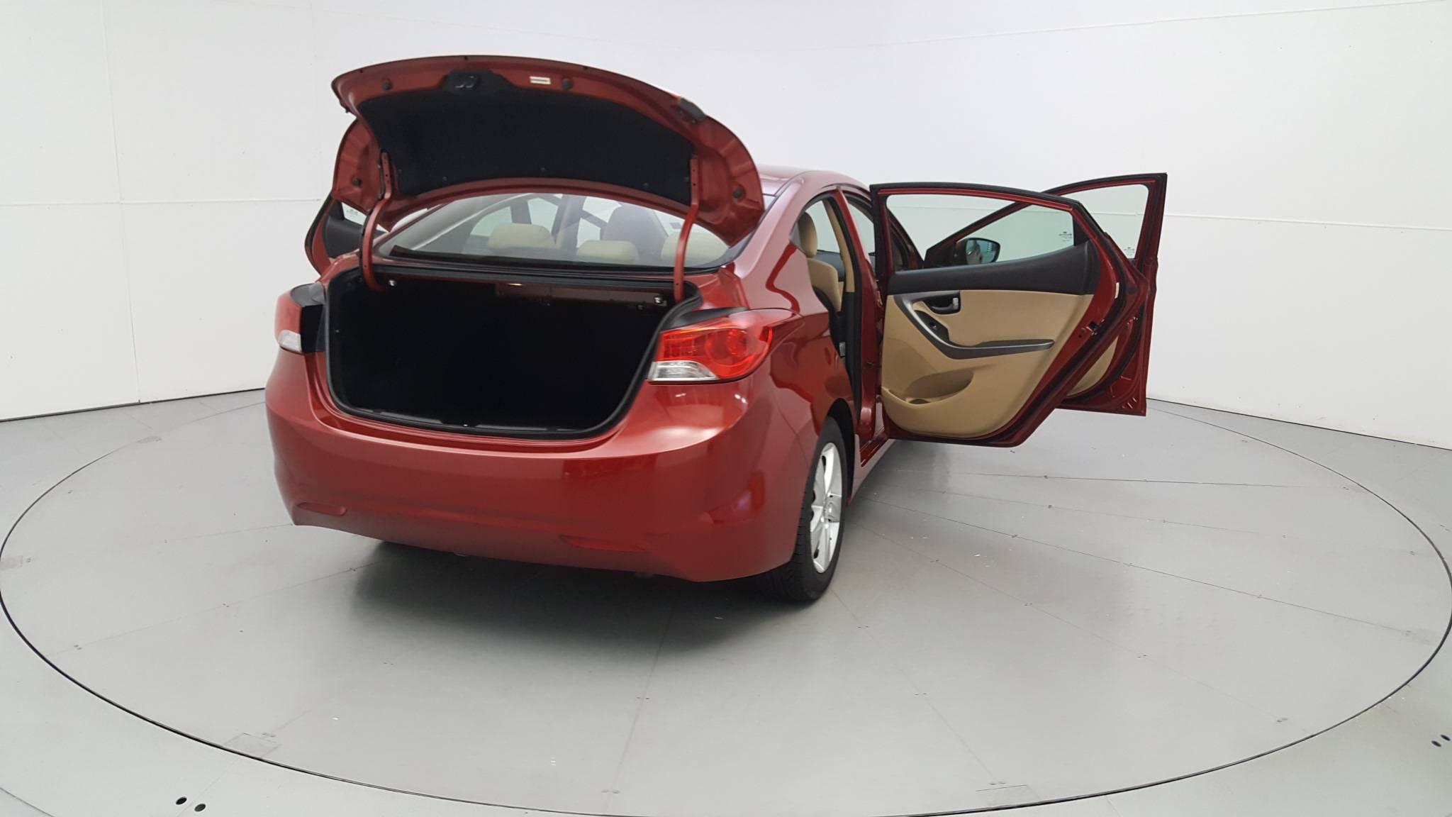 Pre-Owned 2012 Hyundai Elantra GLS