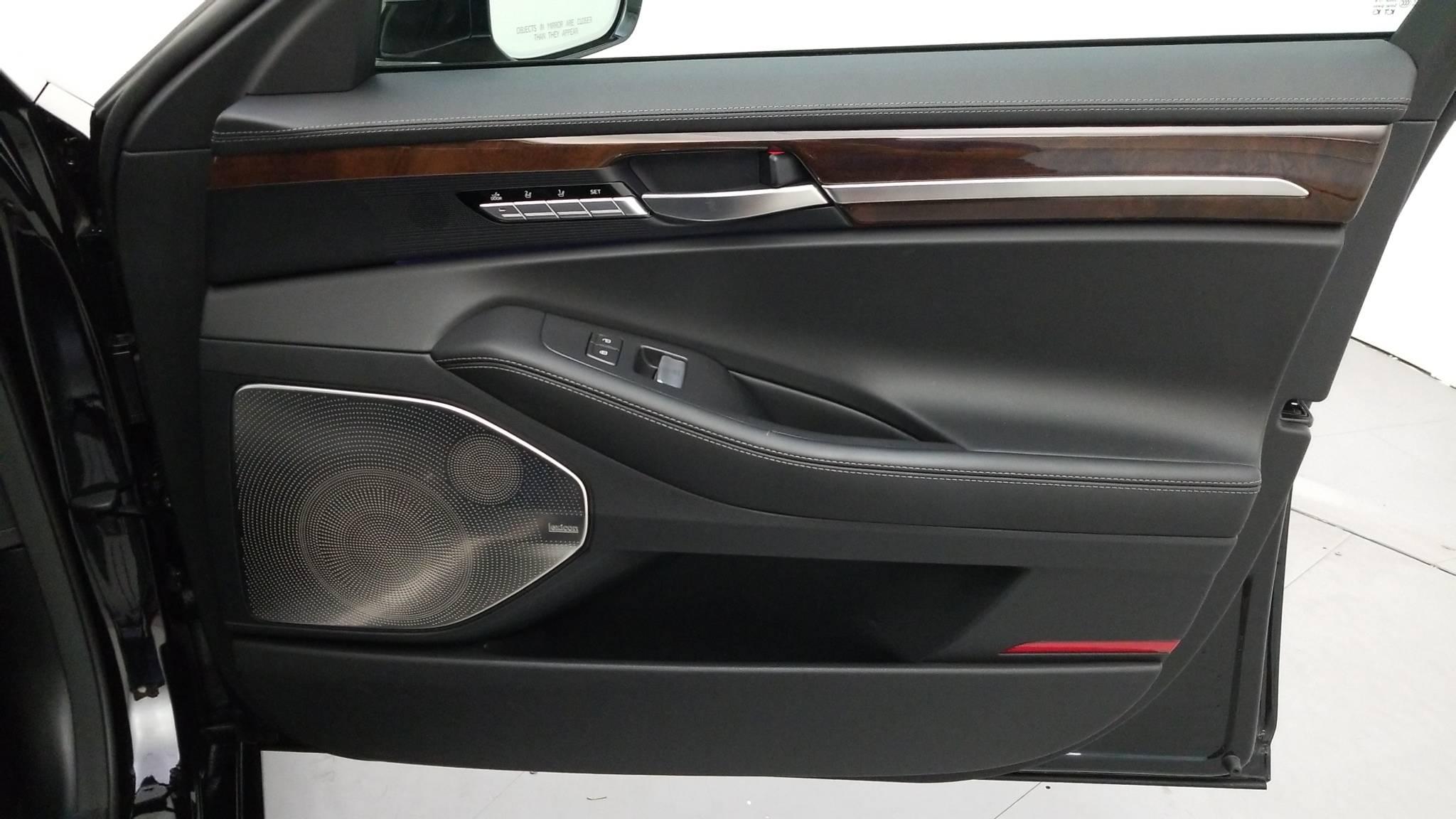 Pre-Owned 2017 Genesis G90 3.3T Premium