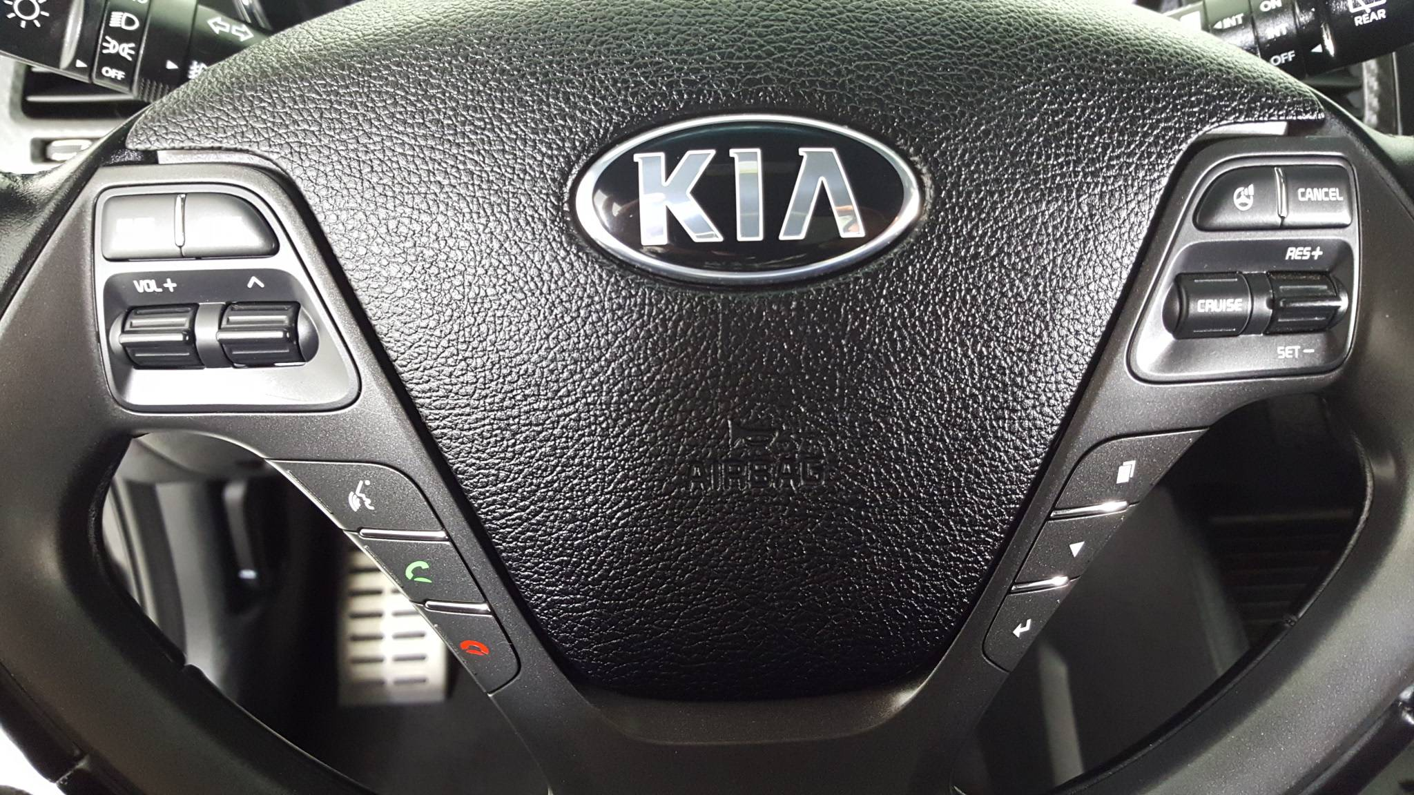 Certified Pre-Owned 2015 Kia Forte 5-Door SX