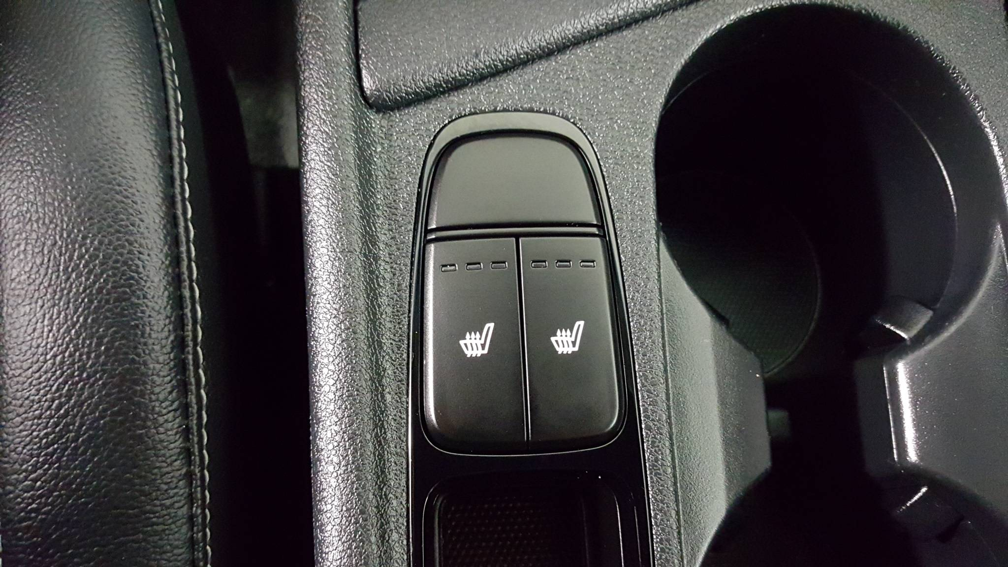Pre-Owned 2017 Kia Niro Touring Launch Edition